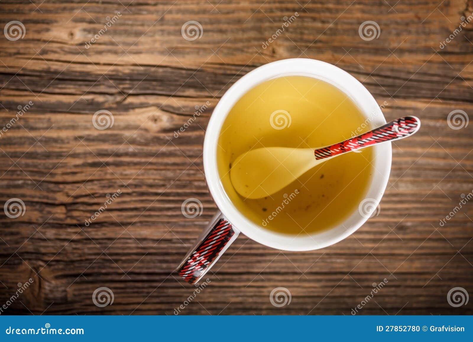 Filiżanka gorąca zielona herbata