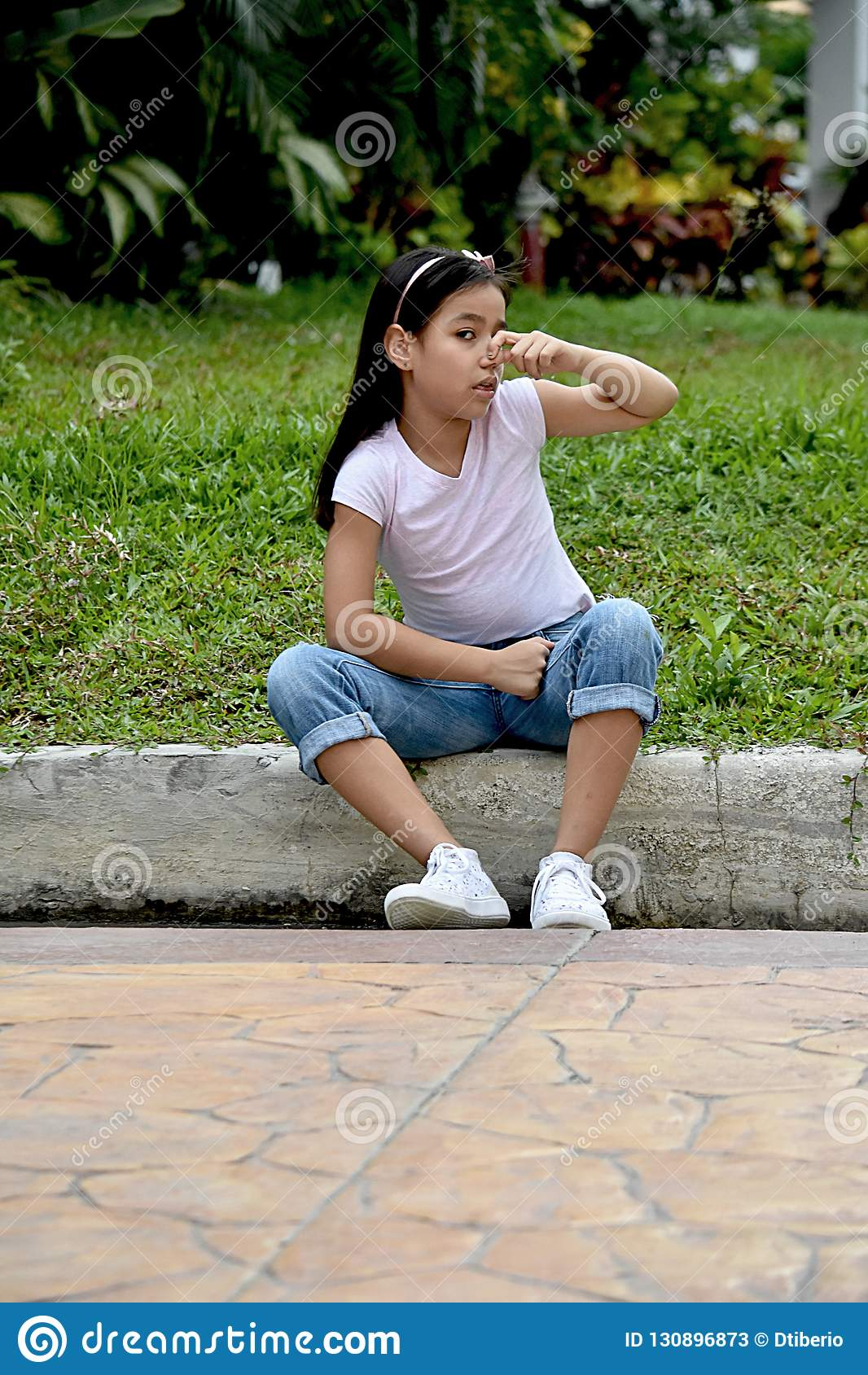 Filipina Girl And Odor bonito