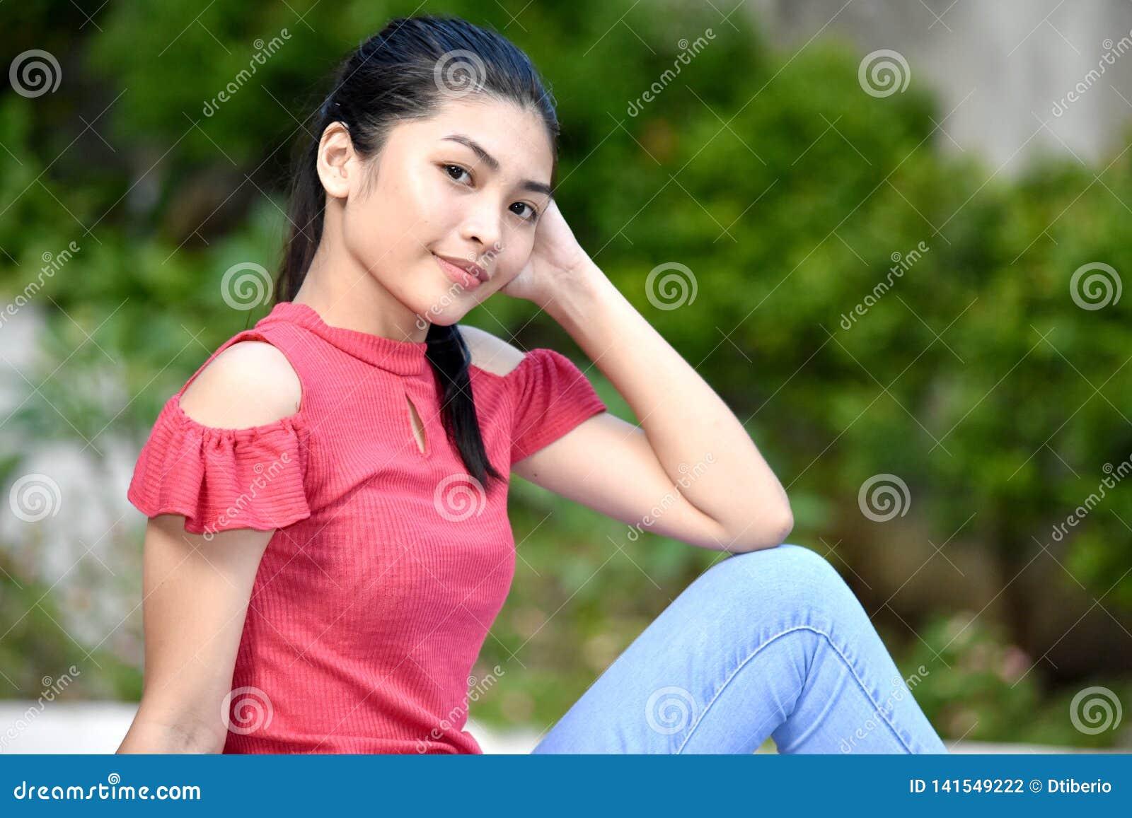 Filipina Teen Girl de détente