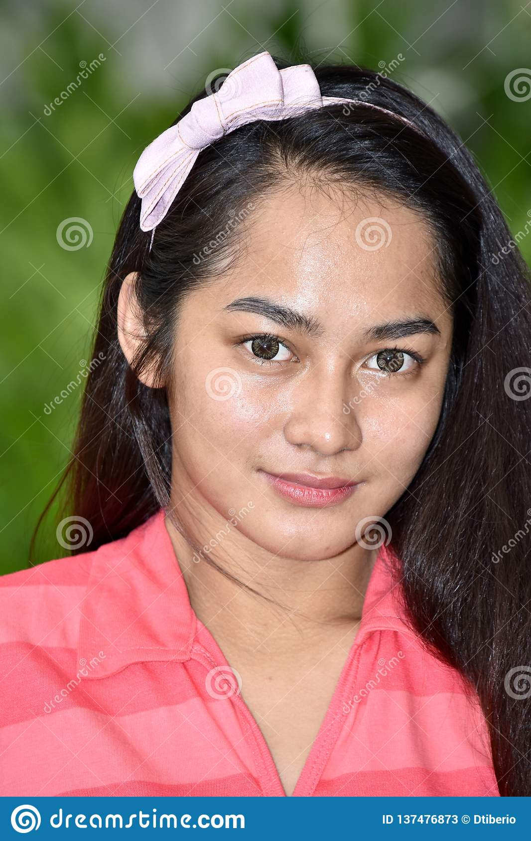 Filipina Teen Girl Portrait joven