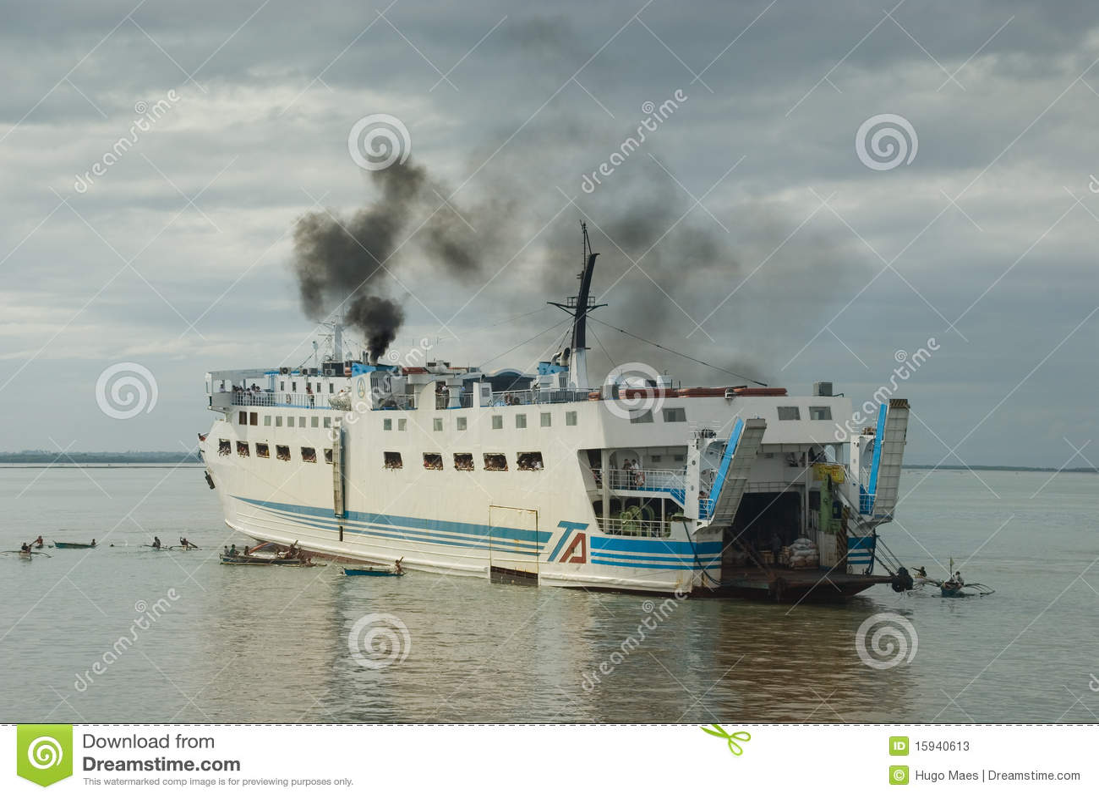 Filipinas apretaron llegada del transbordador