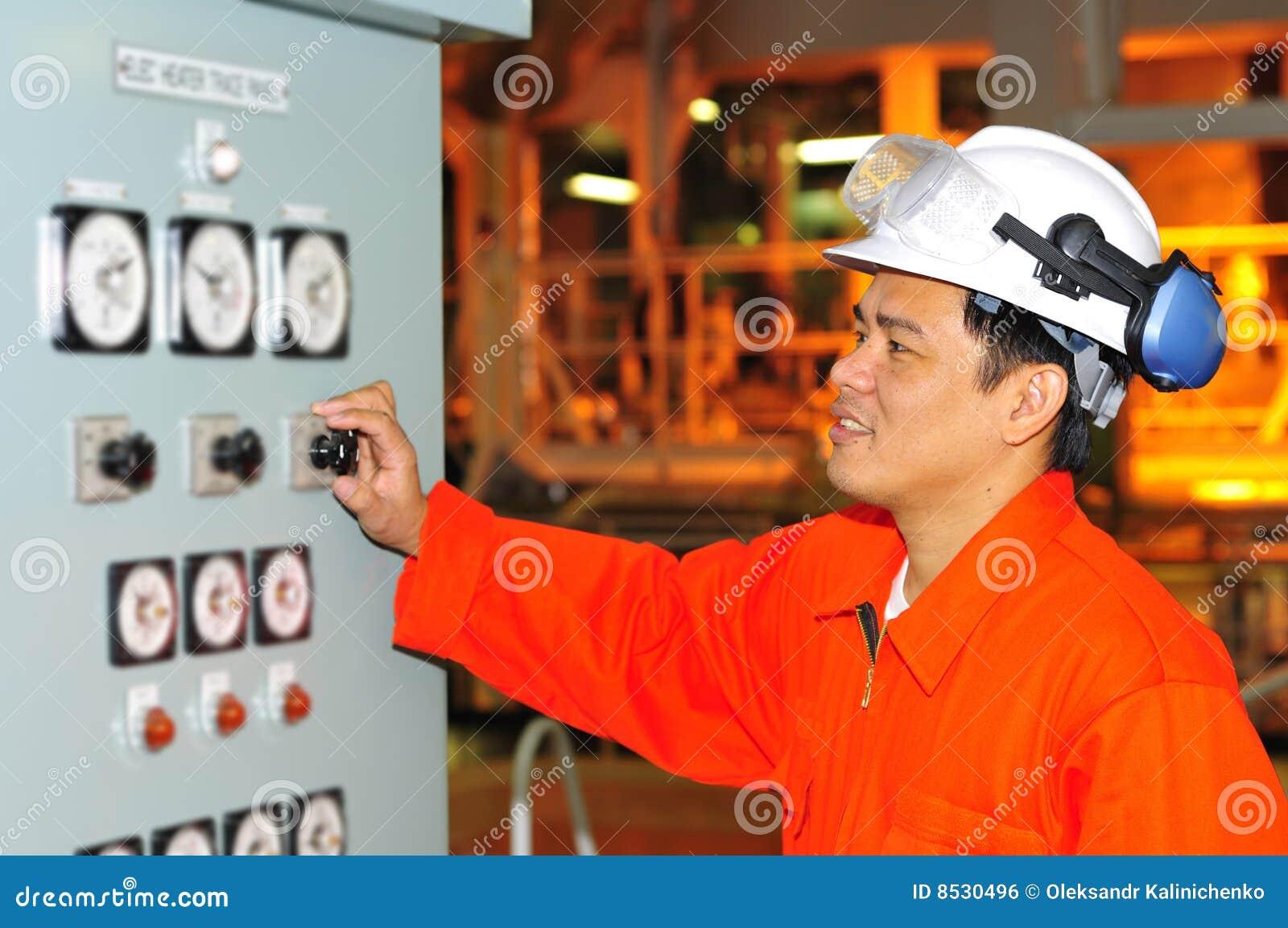 Filipinas que expiden al ingeniero