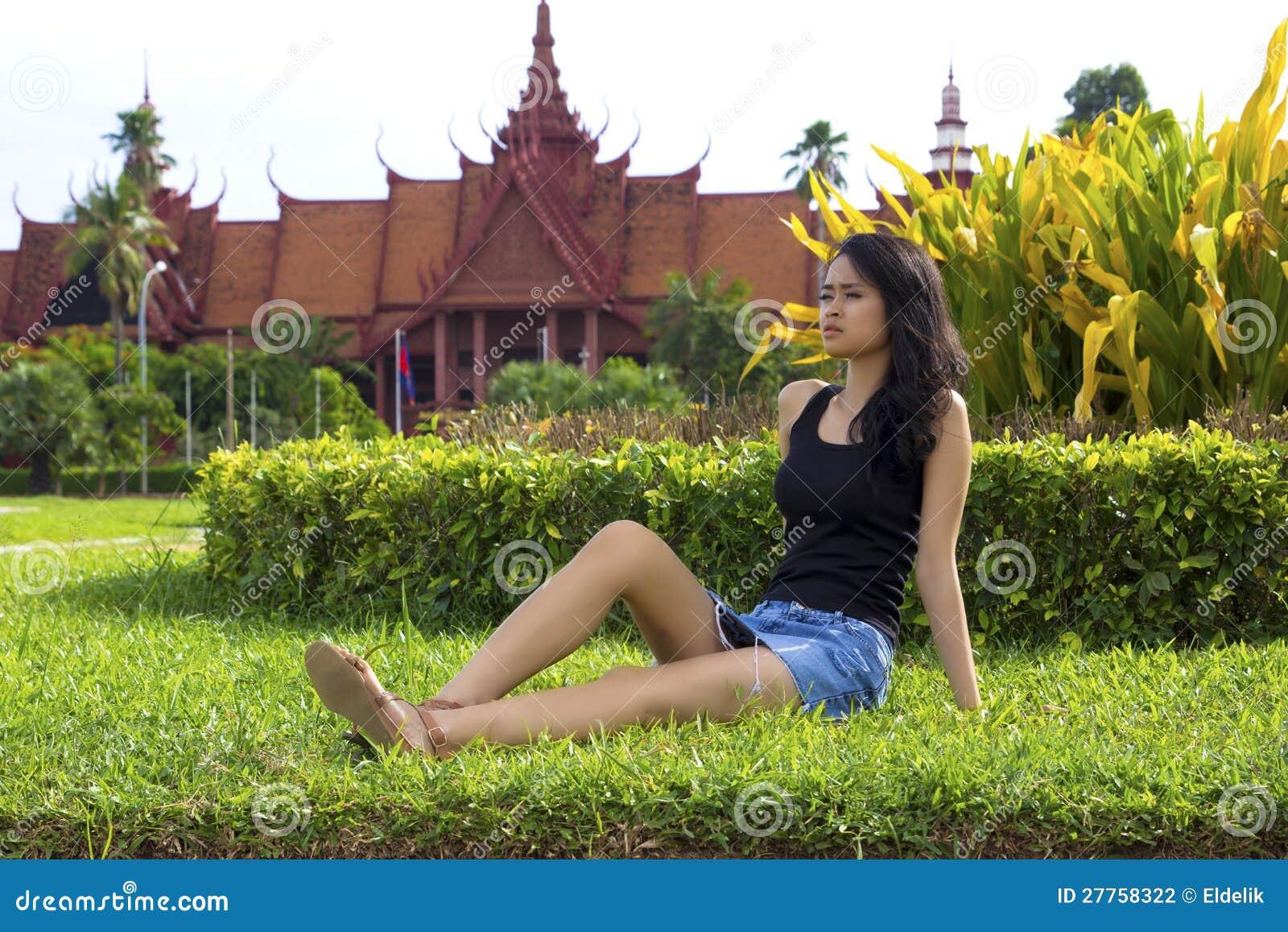 Fille attirante cambodgienne, Musée National