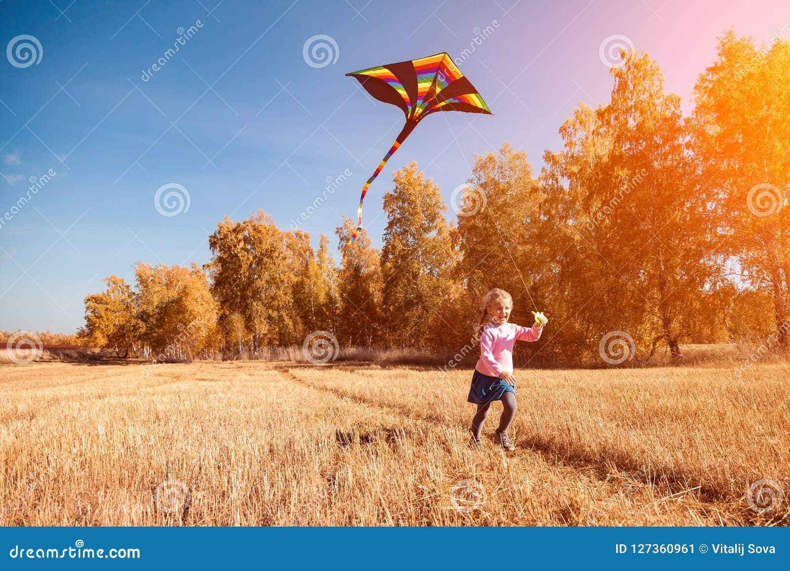Fille avec le cerf-volant