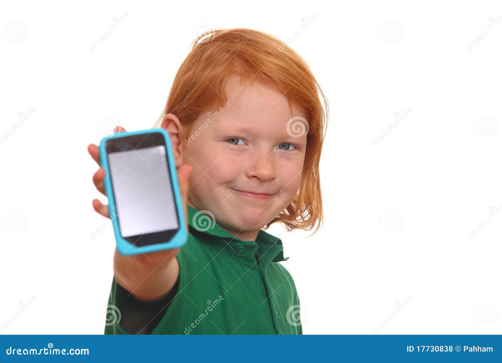 Fille avec le smartphone