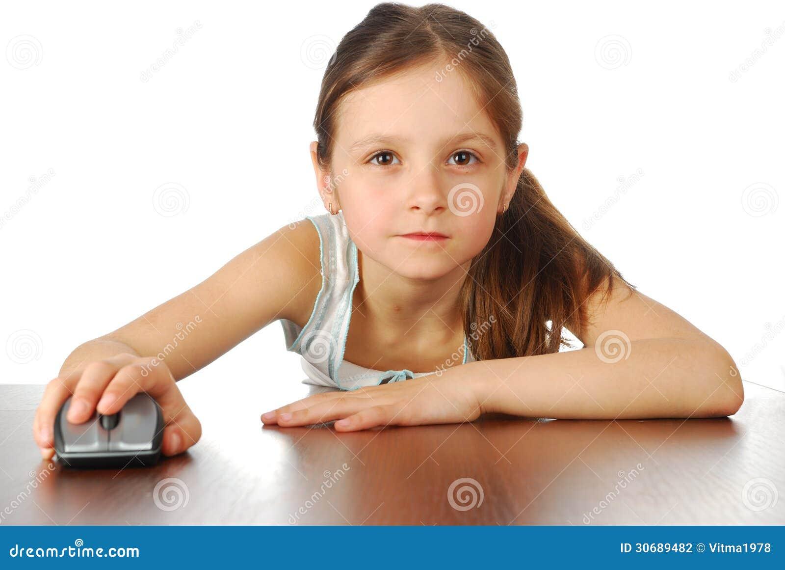 fille avec sa souris d 39 ordinateur photographie stock image 30689482. Black Bedroom Furniture Sets. Home Design Ideas