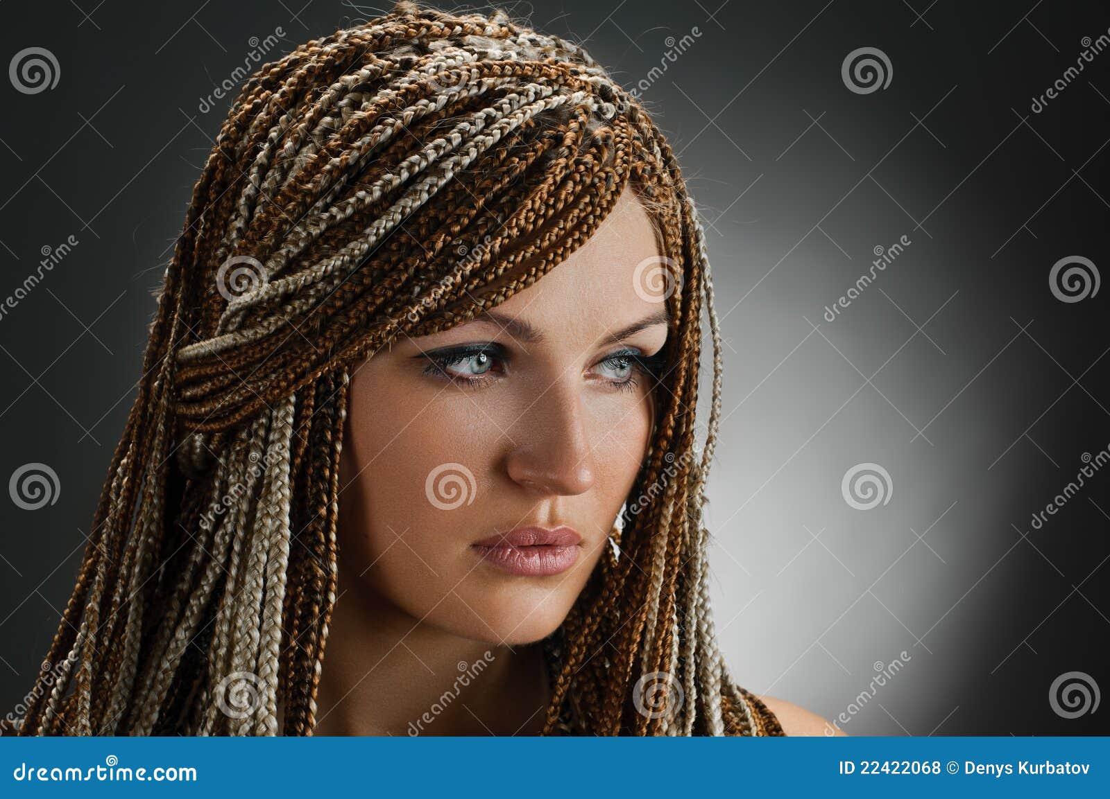 fille avec tresses africaines photos libres de droits image 22422068. Black Bedroom Furniture Sets. Home Design Ideas