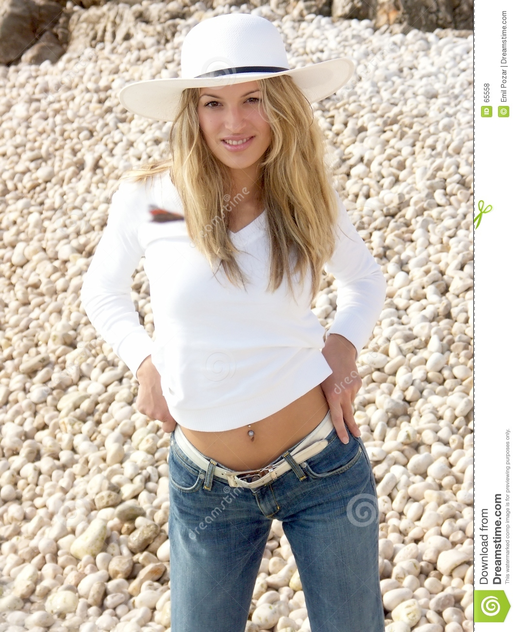 Download Fille Blonde Et Ses Jeans Serrés Photo stock - Image du féminin, vêtu: 65558