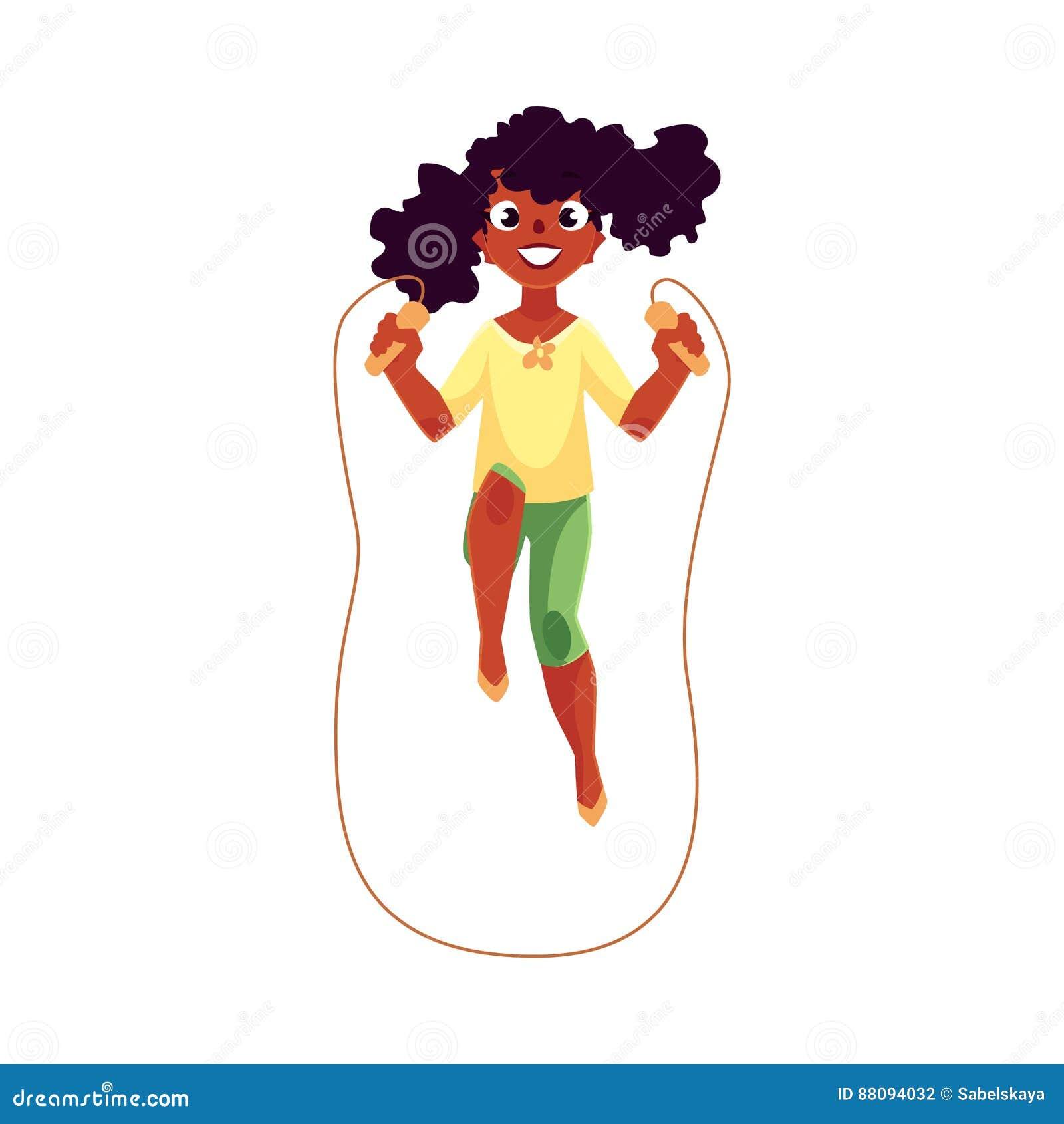 Fille caucasienne adolescente jouant avec la corde à sauter au terrain de jeu