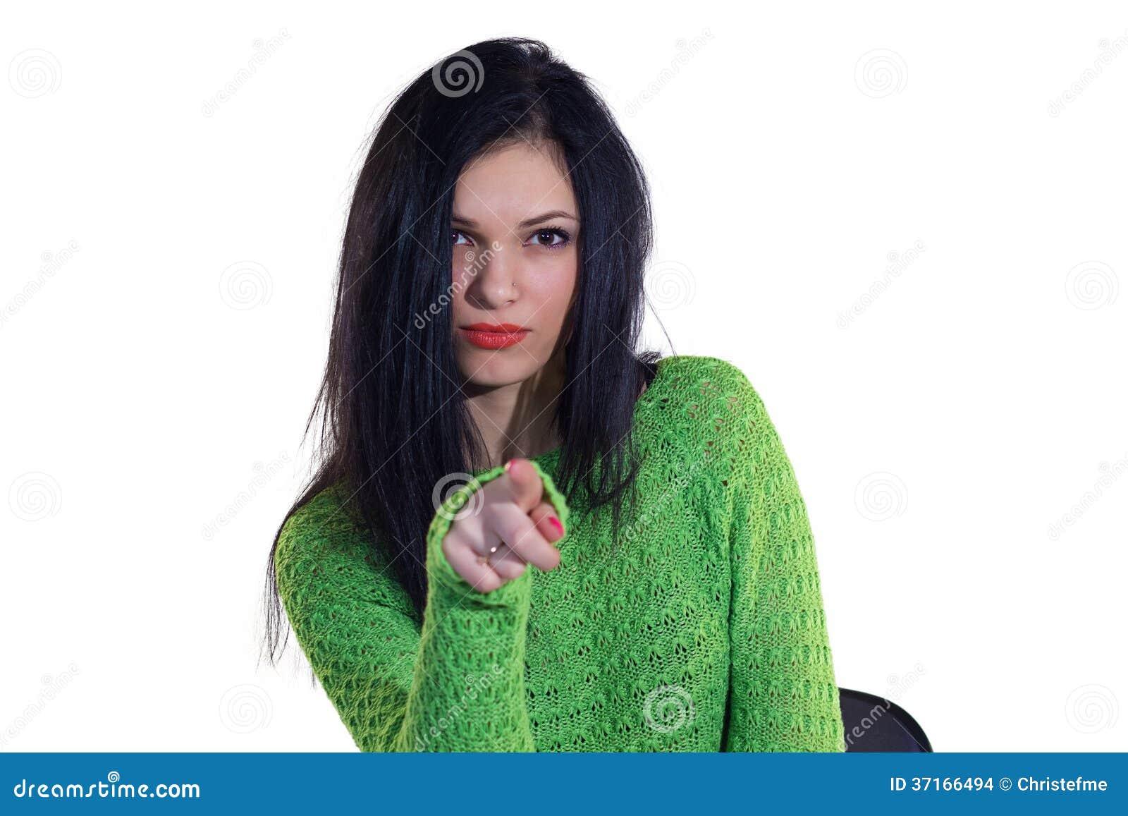 Fille dans le chandail vert