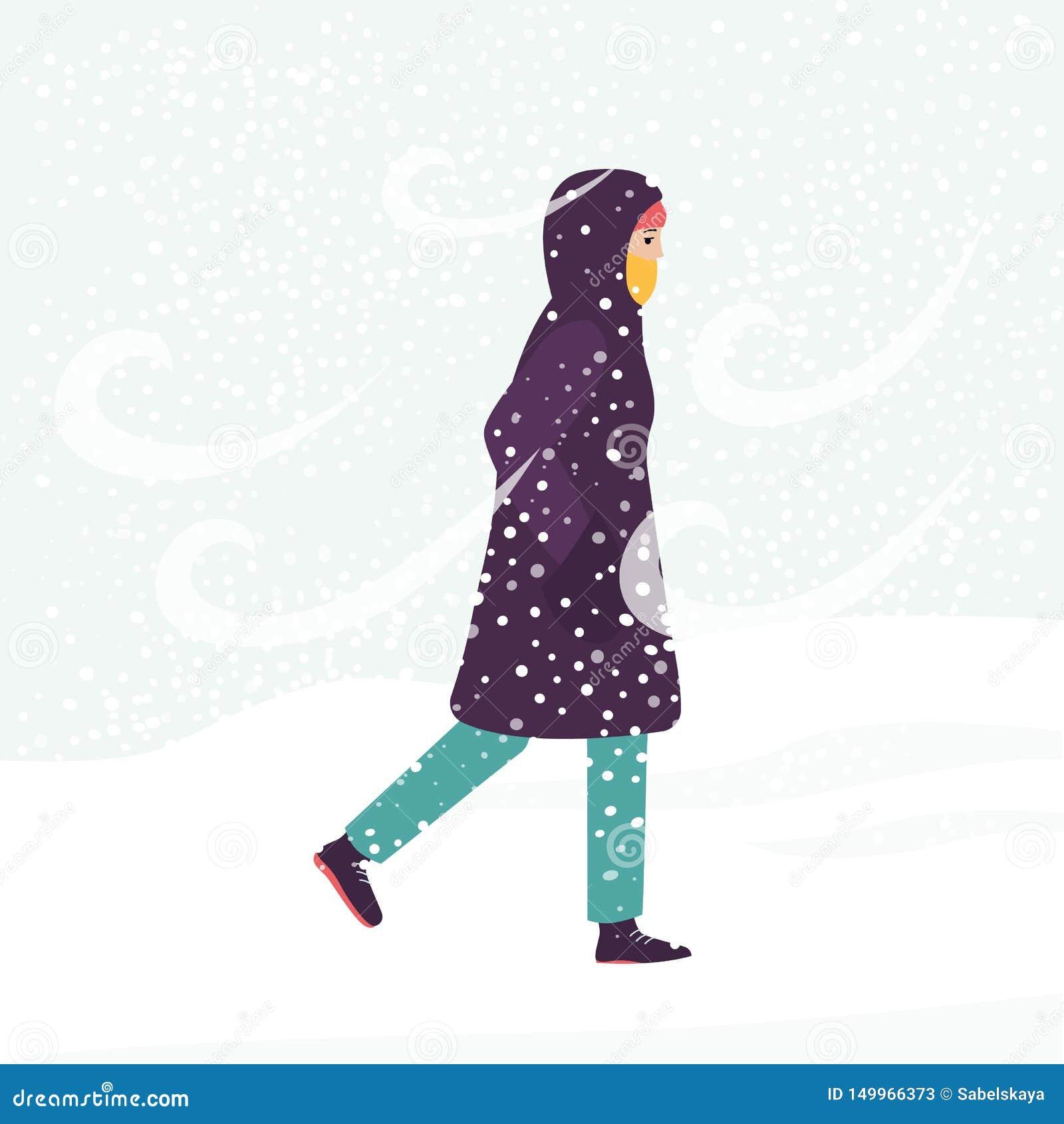 Fille Dans Le Manteau D Hiver Marchant Par Le Vent Froid Et La