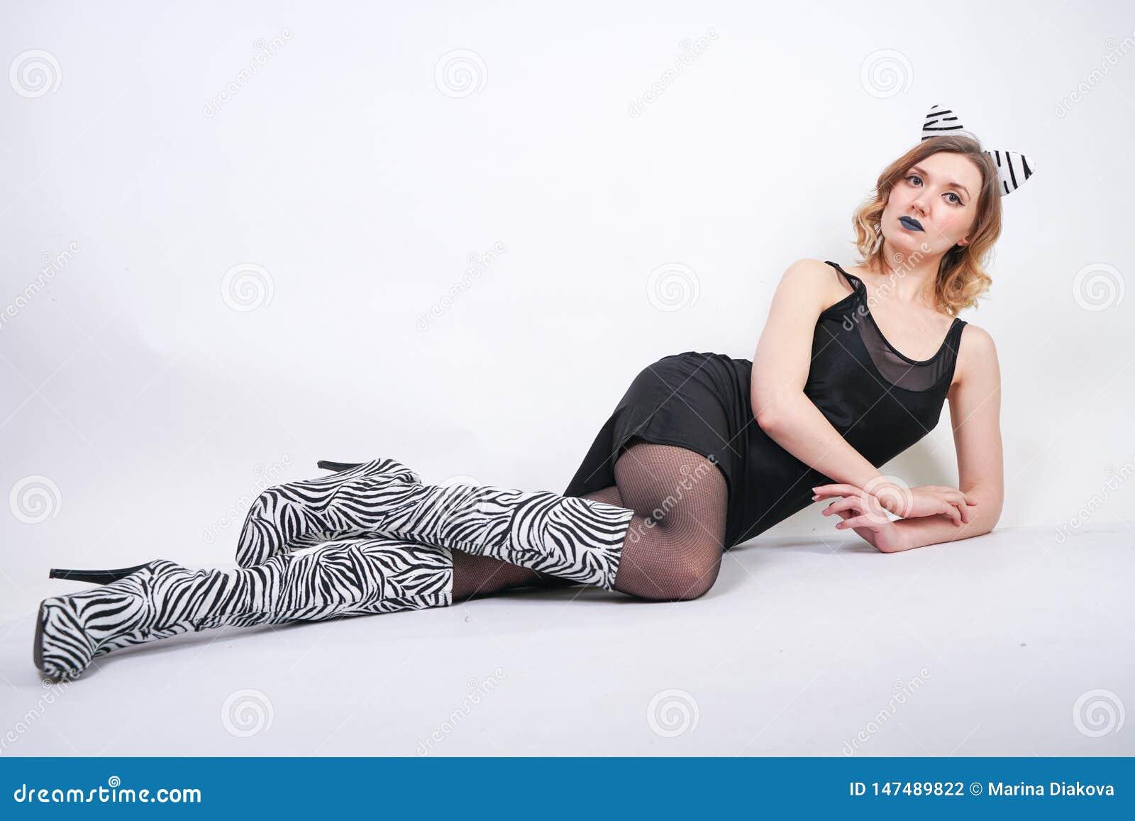 Robe De Petite Fille Avec Portant La Spandex Du Mode Noire qL34RAj5