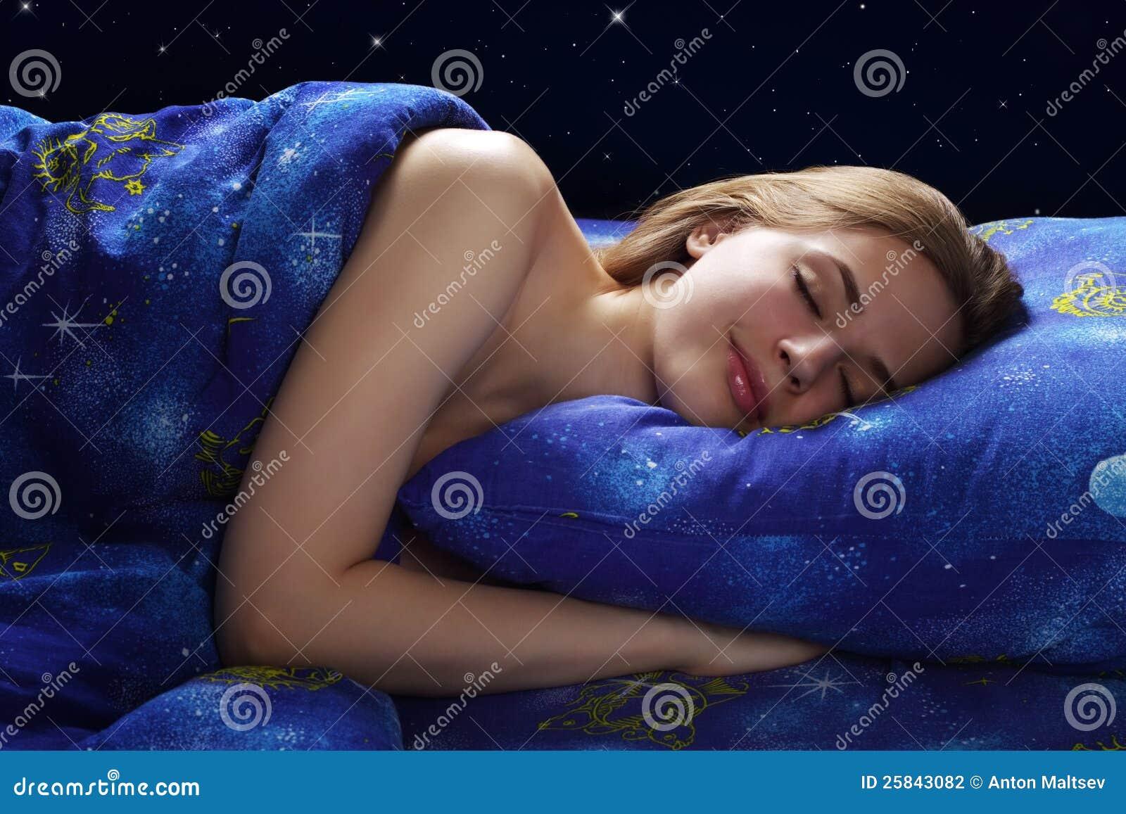 Fille de sommeil la nuit