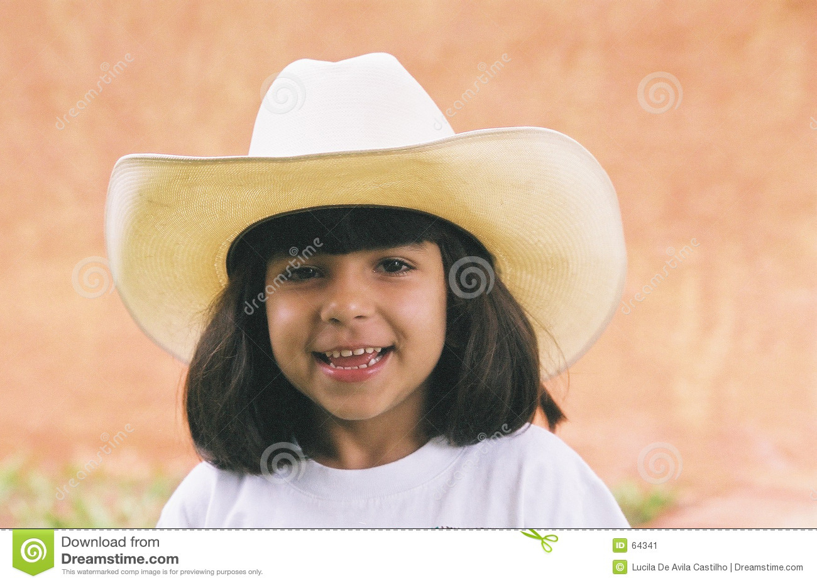 Fille et chapeau