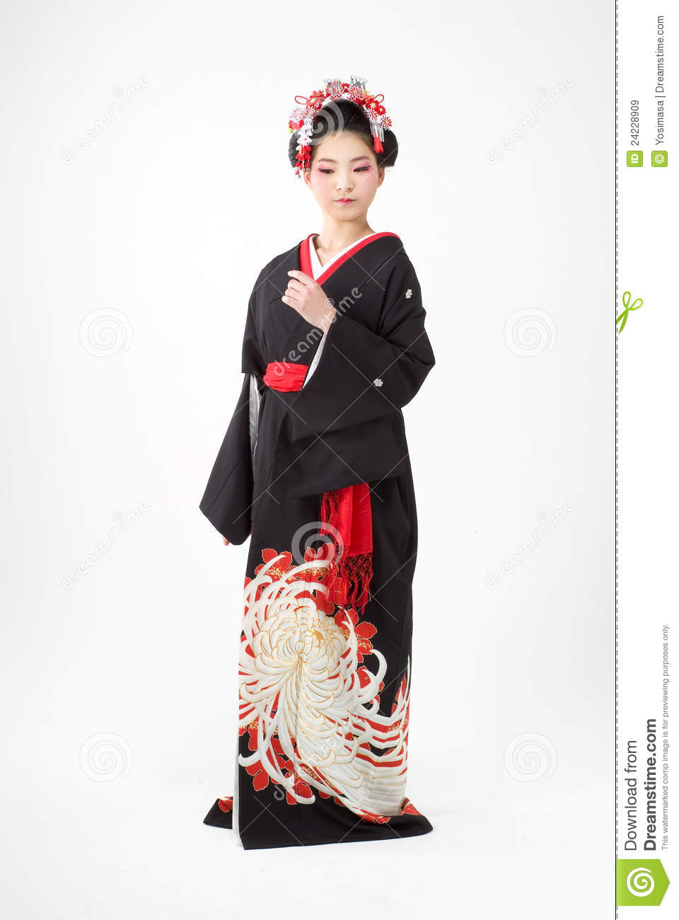 fille japonaise de kimono image stock image du attrayant 24228909. Black Bedroom Furniture Sets. Home Design Ideas