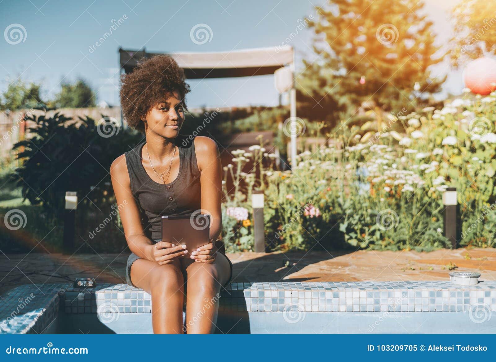 fille noire sexy