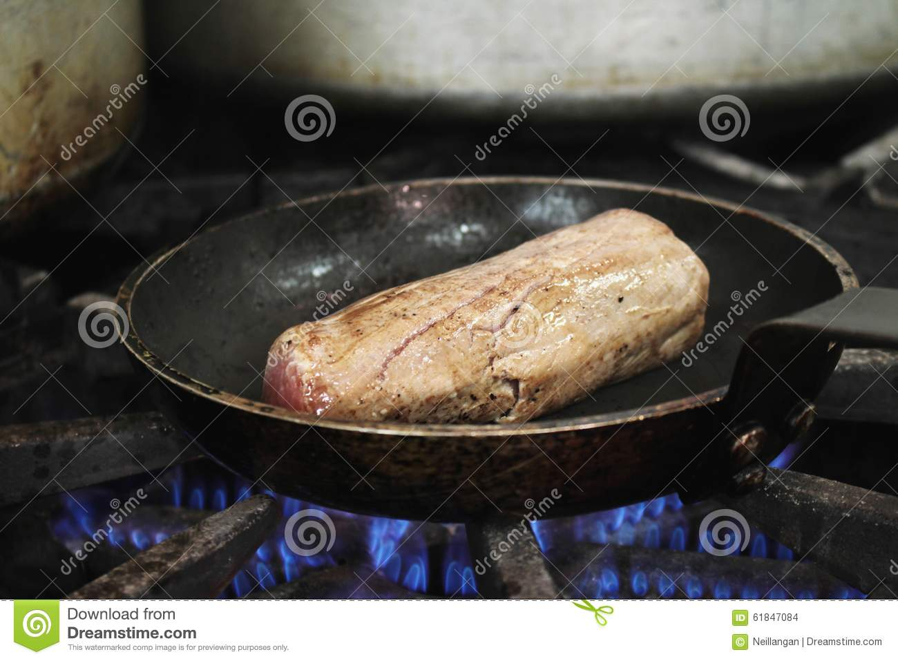 how to cook fillet steak on stove