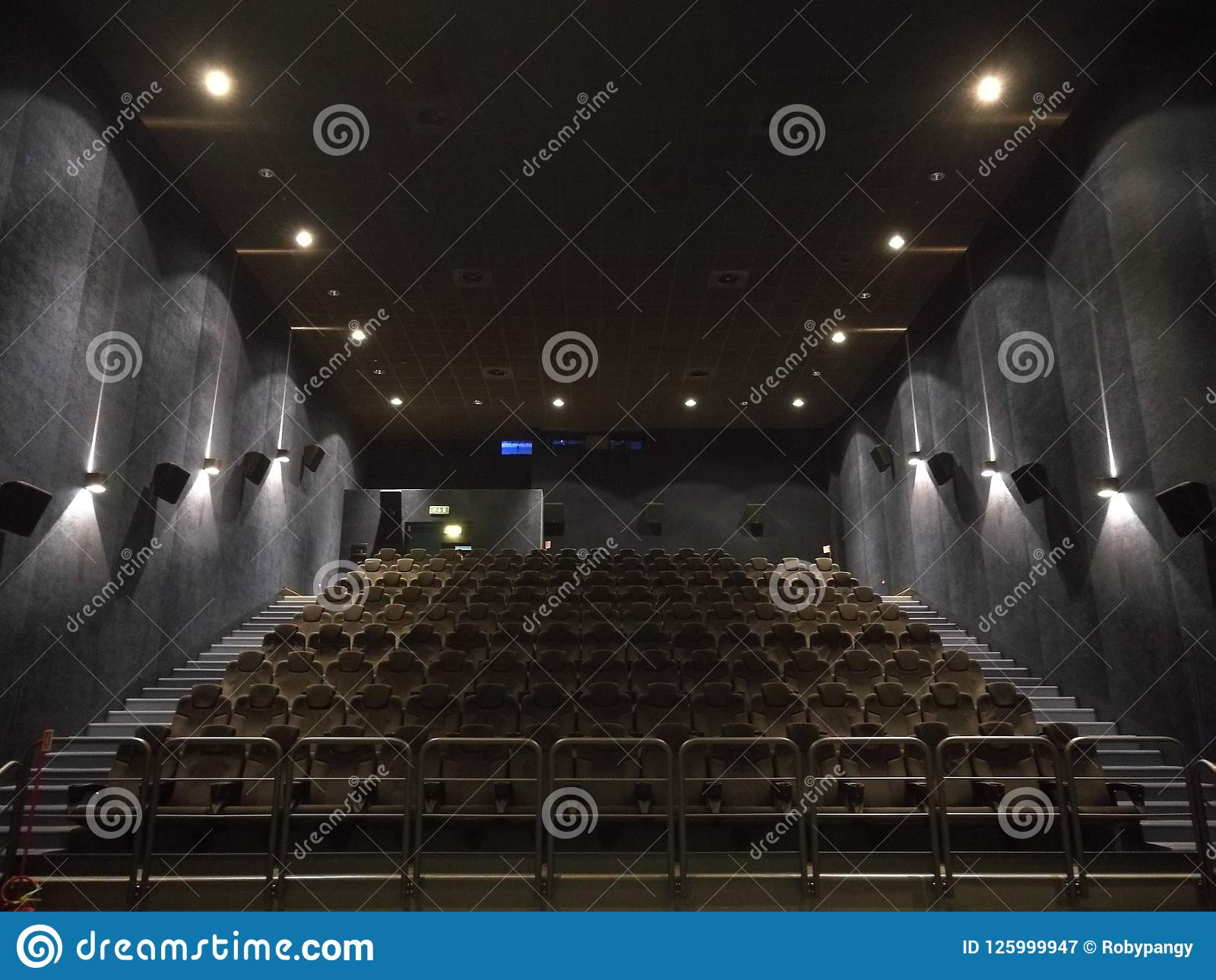 Film pusta sala