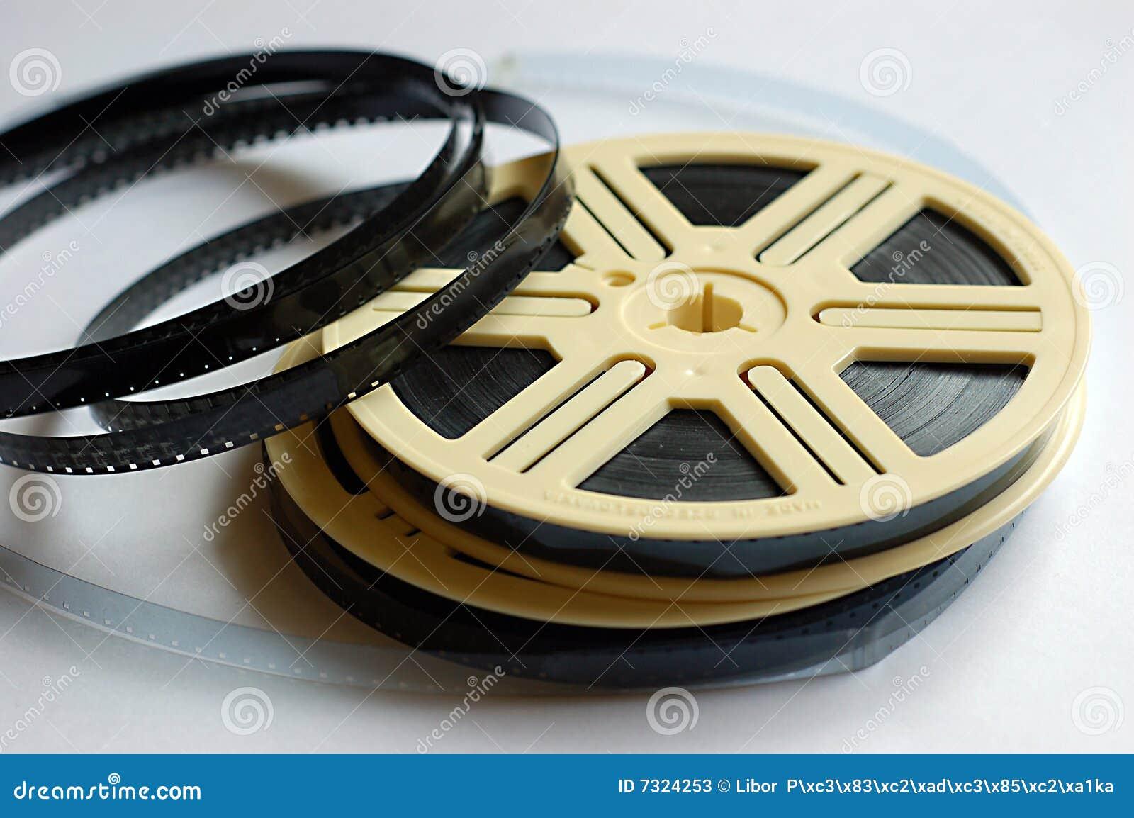 Filmbandspulen auf weißem Hintergrund