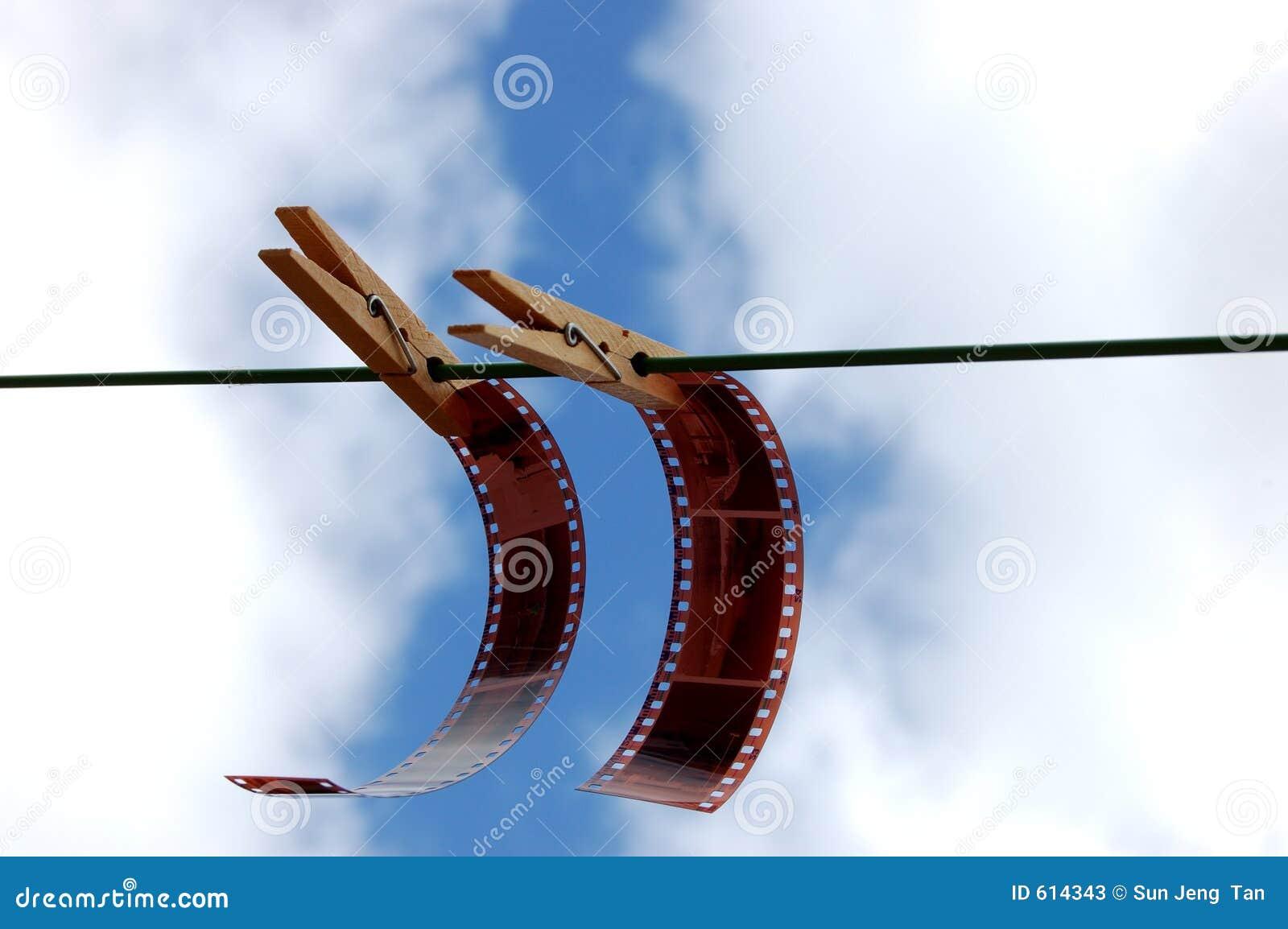 Films die met pinnen hangen