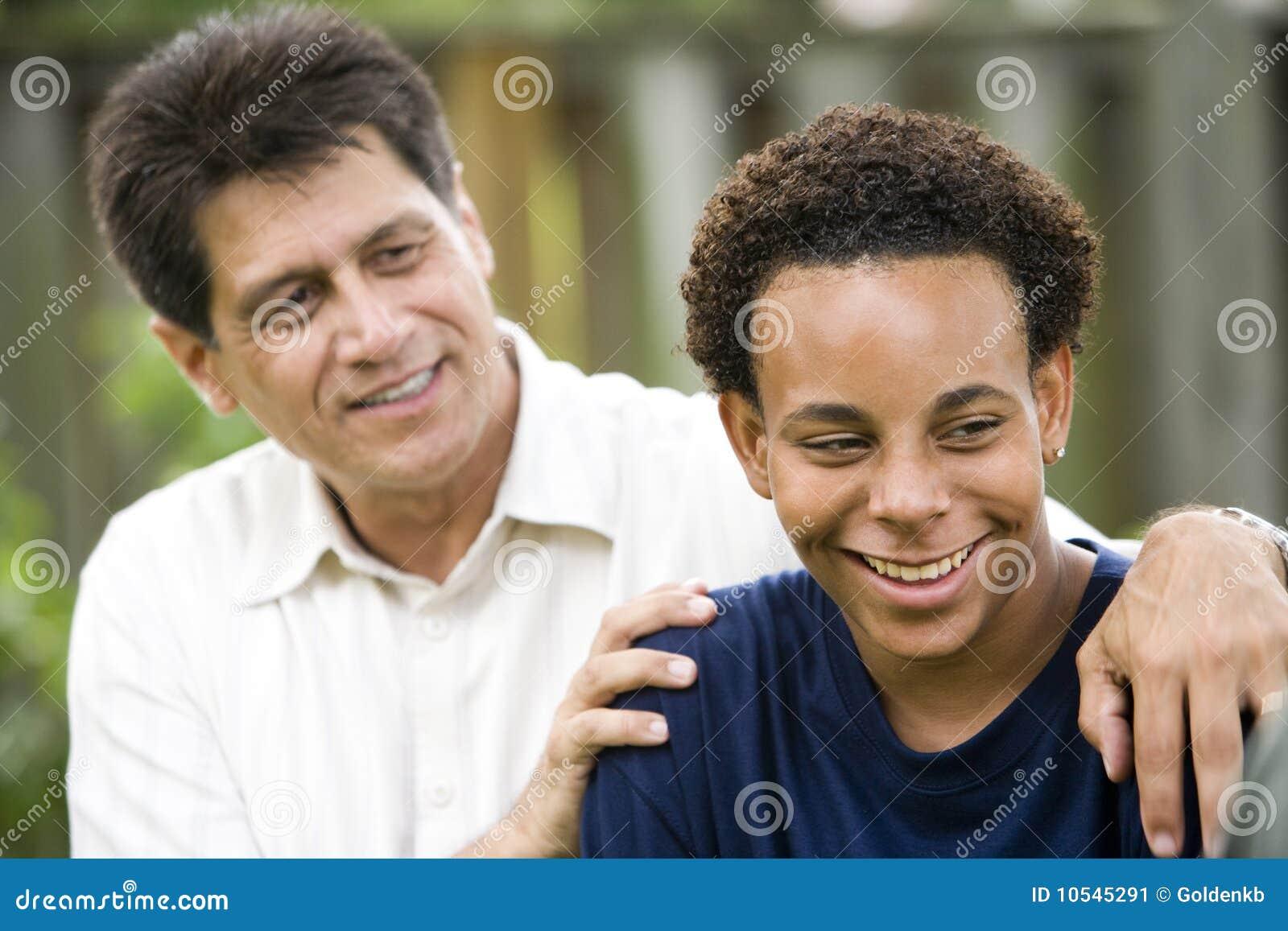 Fils interracial de père
