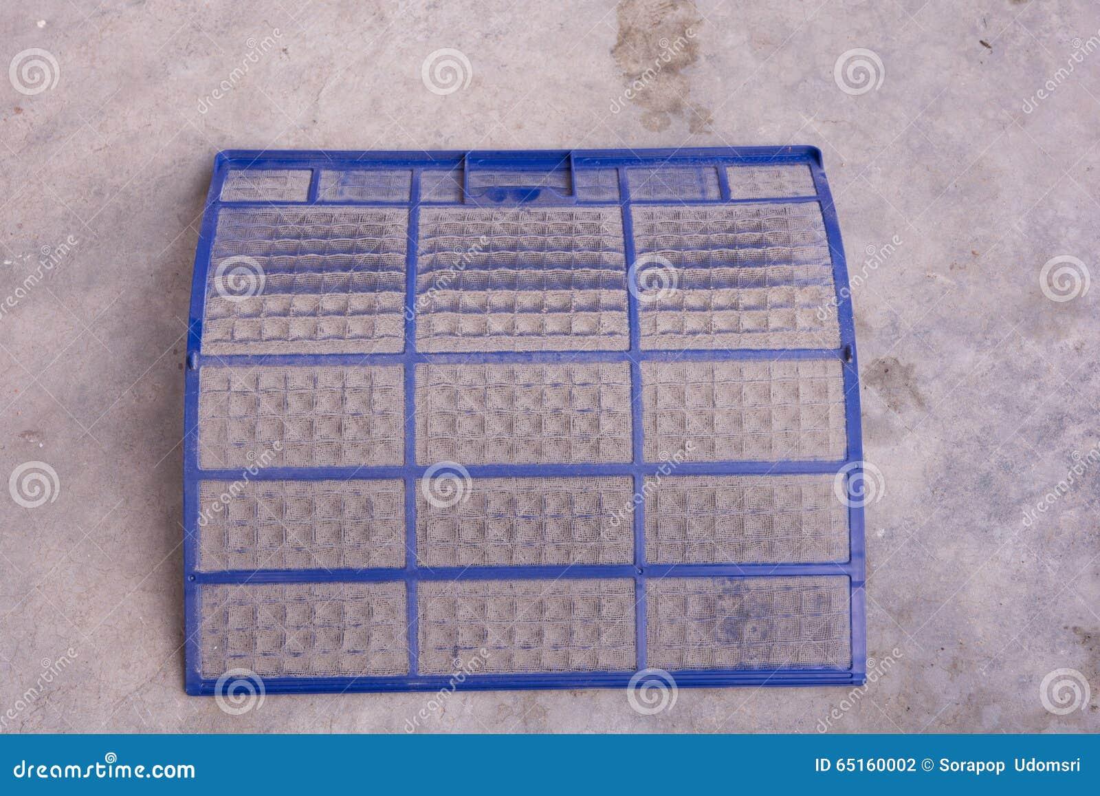 Filtro muy sucio del acondicionador de aire