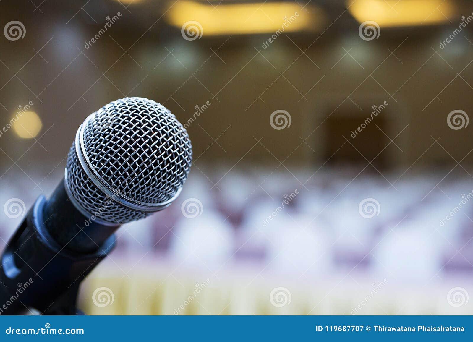 Fim acima Microfone na sala de conferências Reunião de negócio Treinamento do microfone