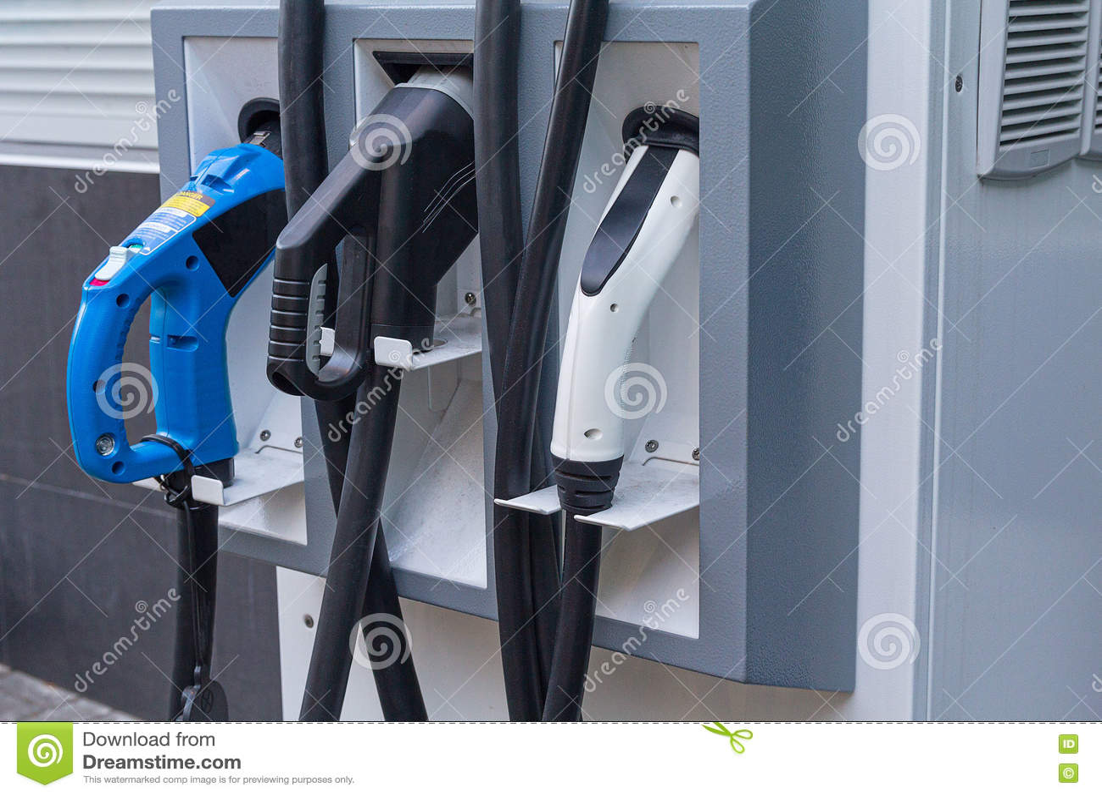Fim do veículo elétrico do posto de gasolina acima