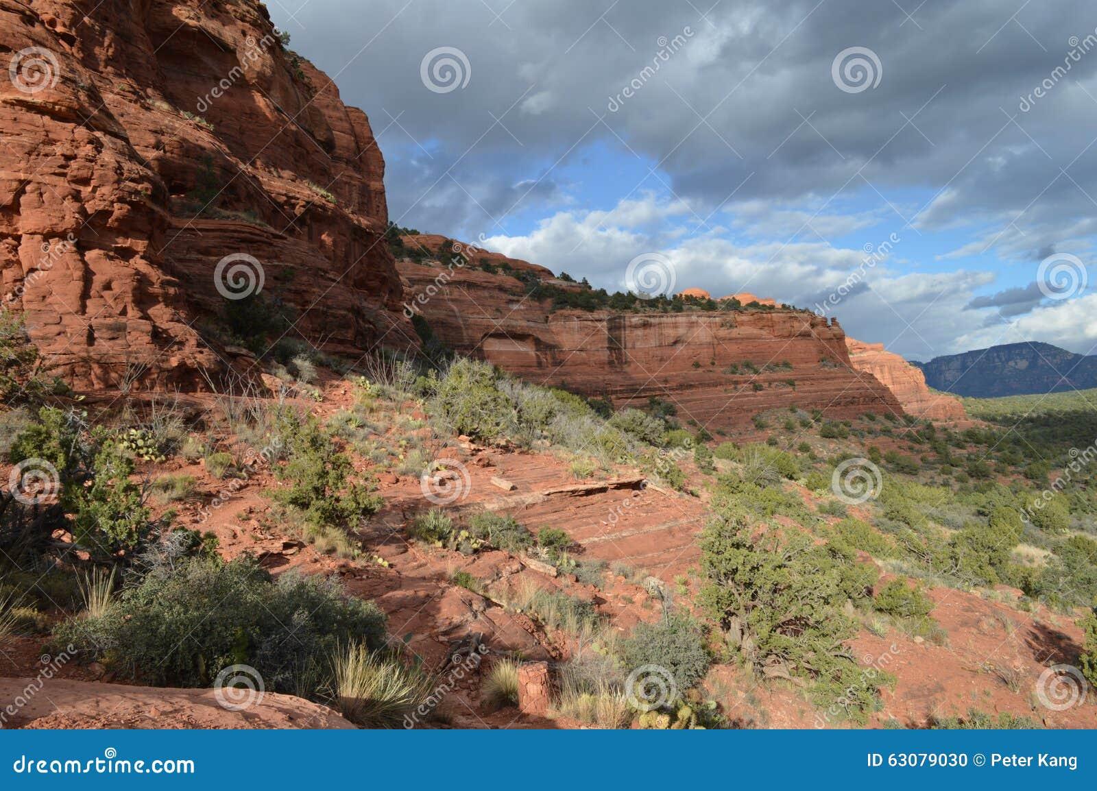 Download Fin De L'après-midi De Montagne Spectaculaire De Sedona Photo stock - Image du méditation, montagnes: 63079030