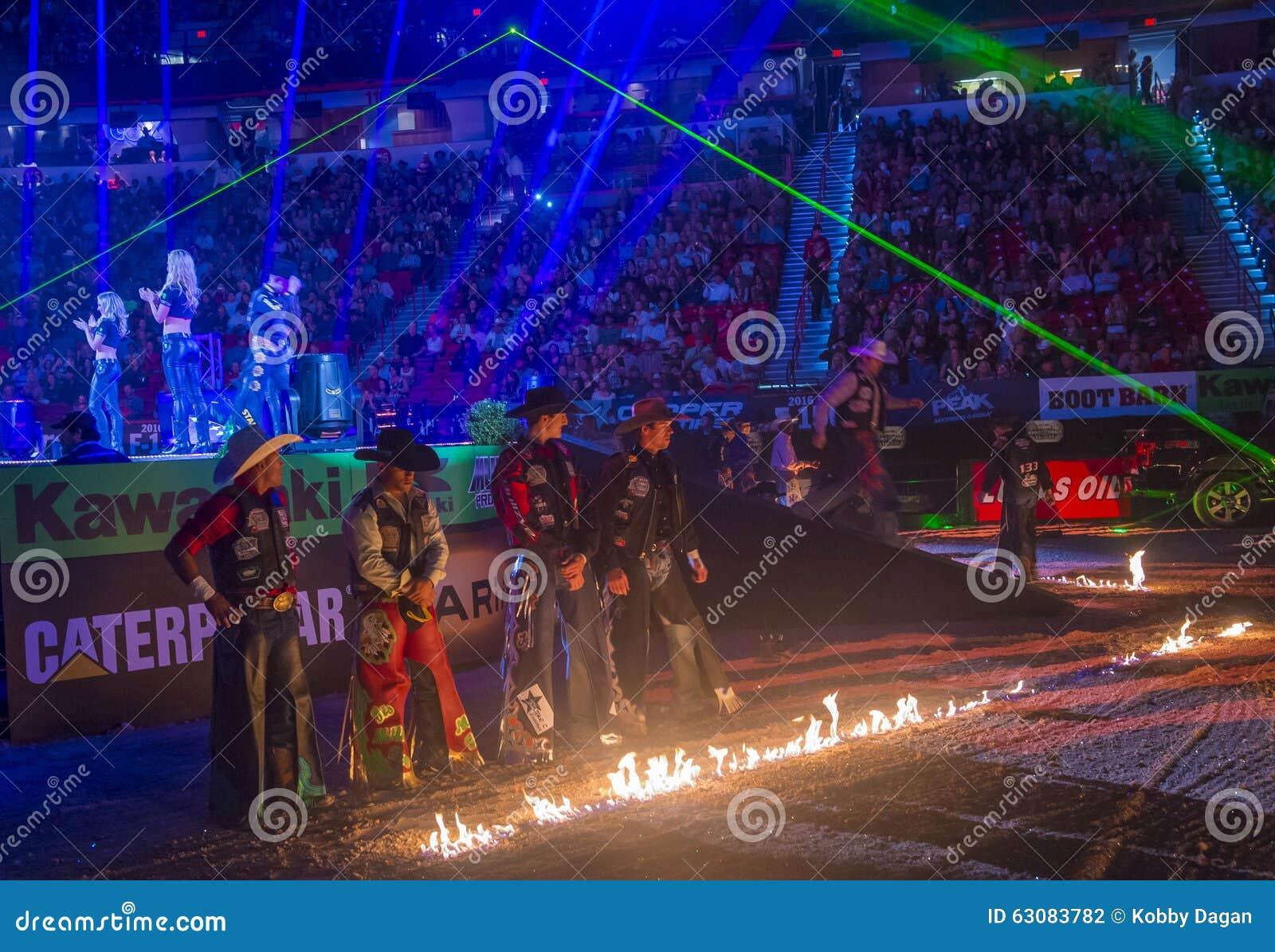 Download Finales Du Monde D'équitation De Taureau De PBR Photographie éditorial - Image du ranch, sport: 63083782