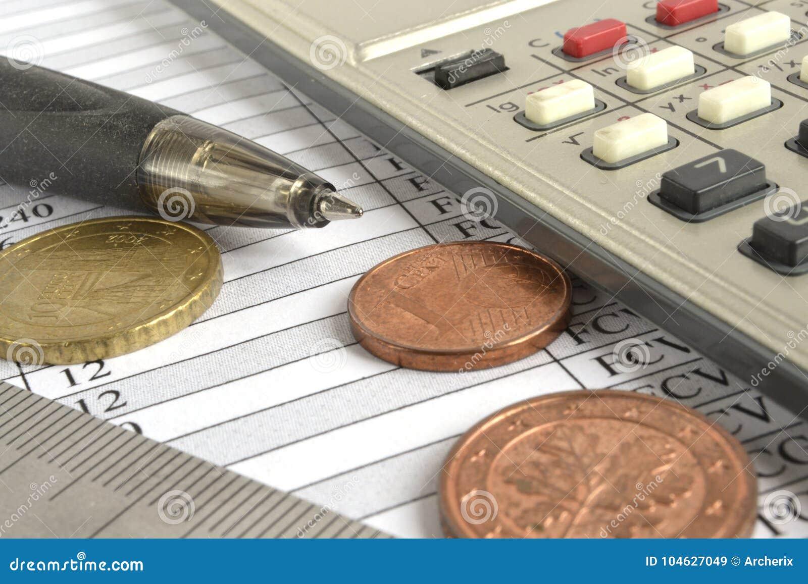 Download Financiële achtergrond stock afbeelding. Afbeelding bestaande uit muntstuk - 104627049
