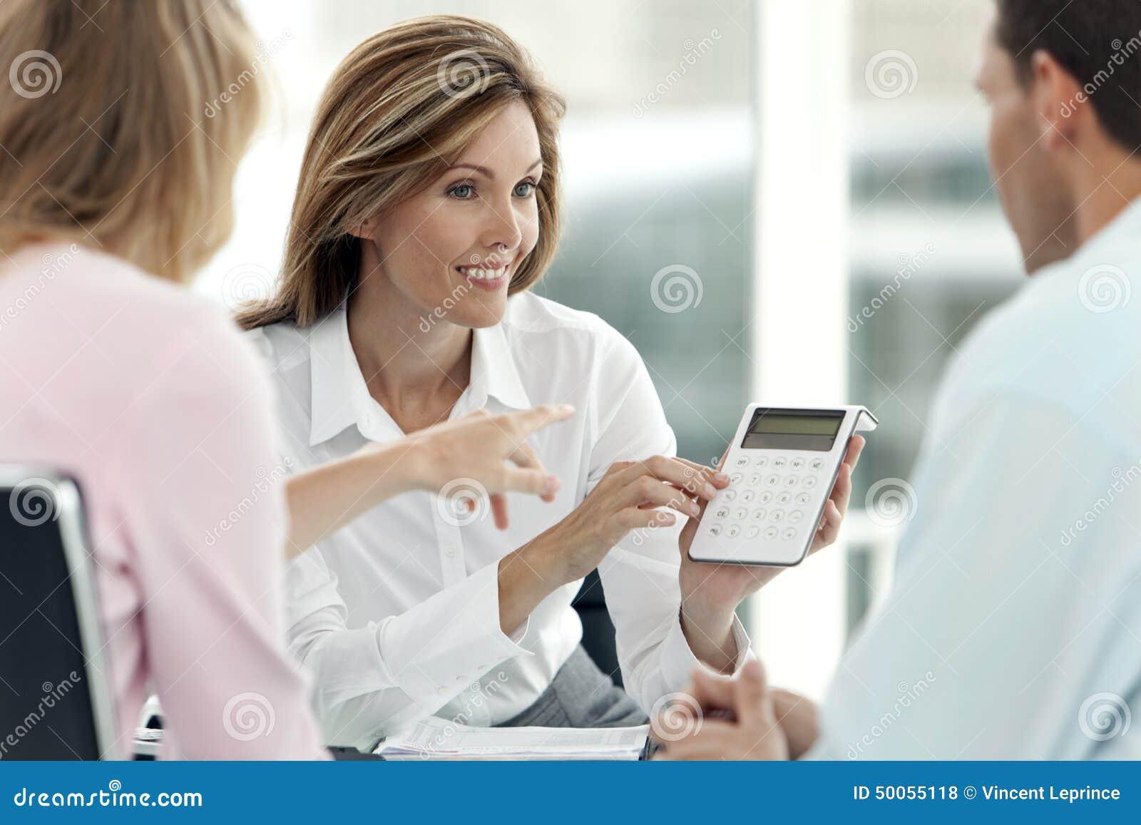 Financiële Adviseur met een paar