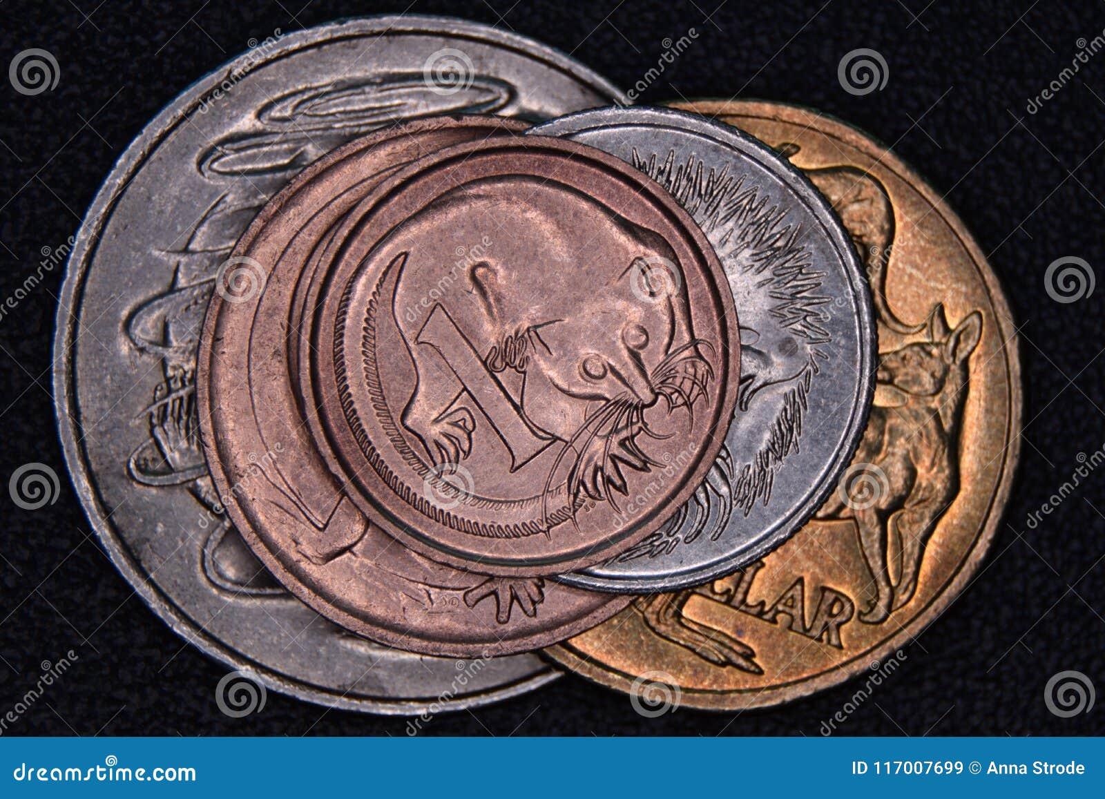 Financiënpiramide - Australische die muntstukken op elkaar worden gestapeld