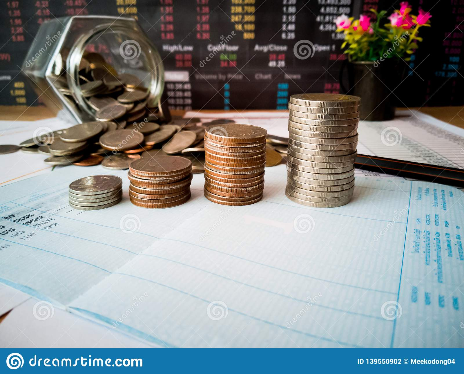 Financial growth and investment profits with financial concepts