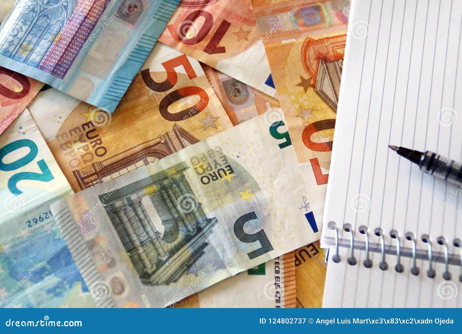 Finanse, wystawia rachunek, notatki euro/