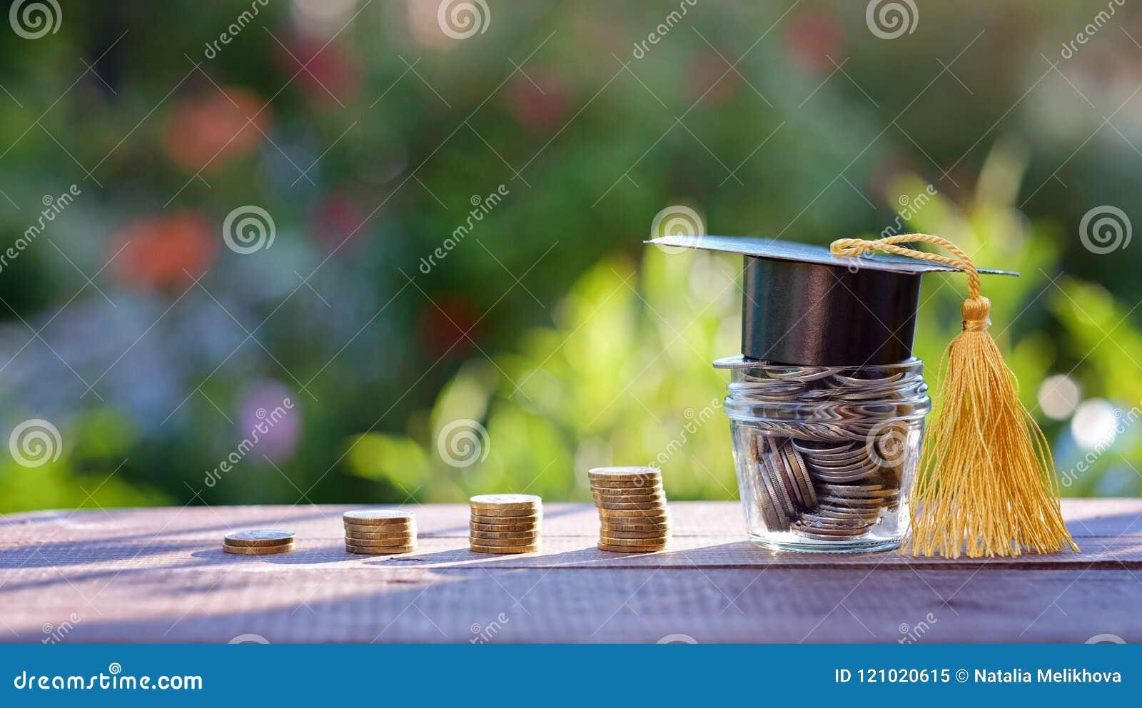Finanzas para la beca y la educación inversión en concepto de la educación