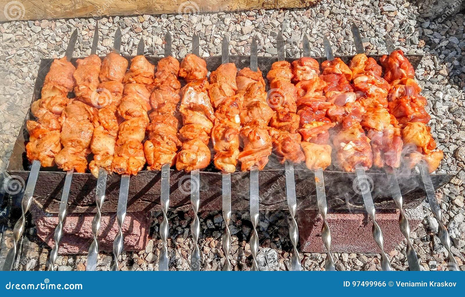 Fine arrostita di kebab su