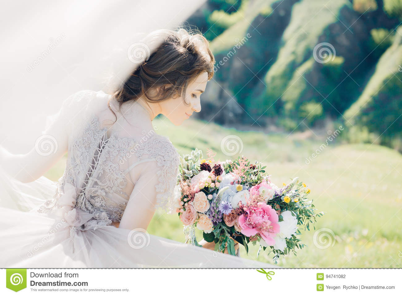 Fine Art Wedding Photography  Beautiful Bride With Bouquet
