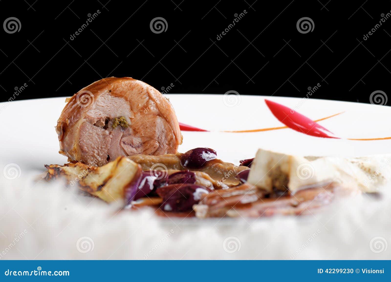 fine dining gourmet main entree course grilled lamb steak olives aubergines 42299230 17 Beau Table Cuisine Carree Kdj5