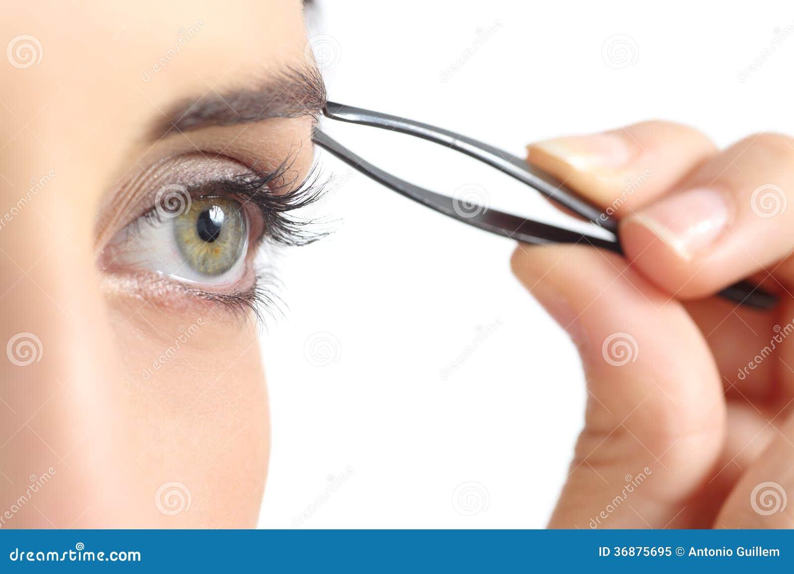 Download Fine Su Di Un Occhio Della Donna E Sopracciglia Di Spennatura A Mano Immagine Stock - Immagine di bello, abbellimento: 36875695