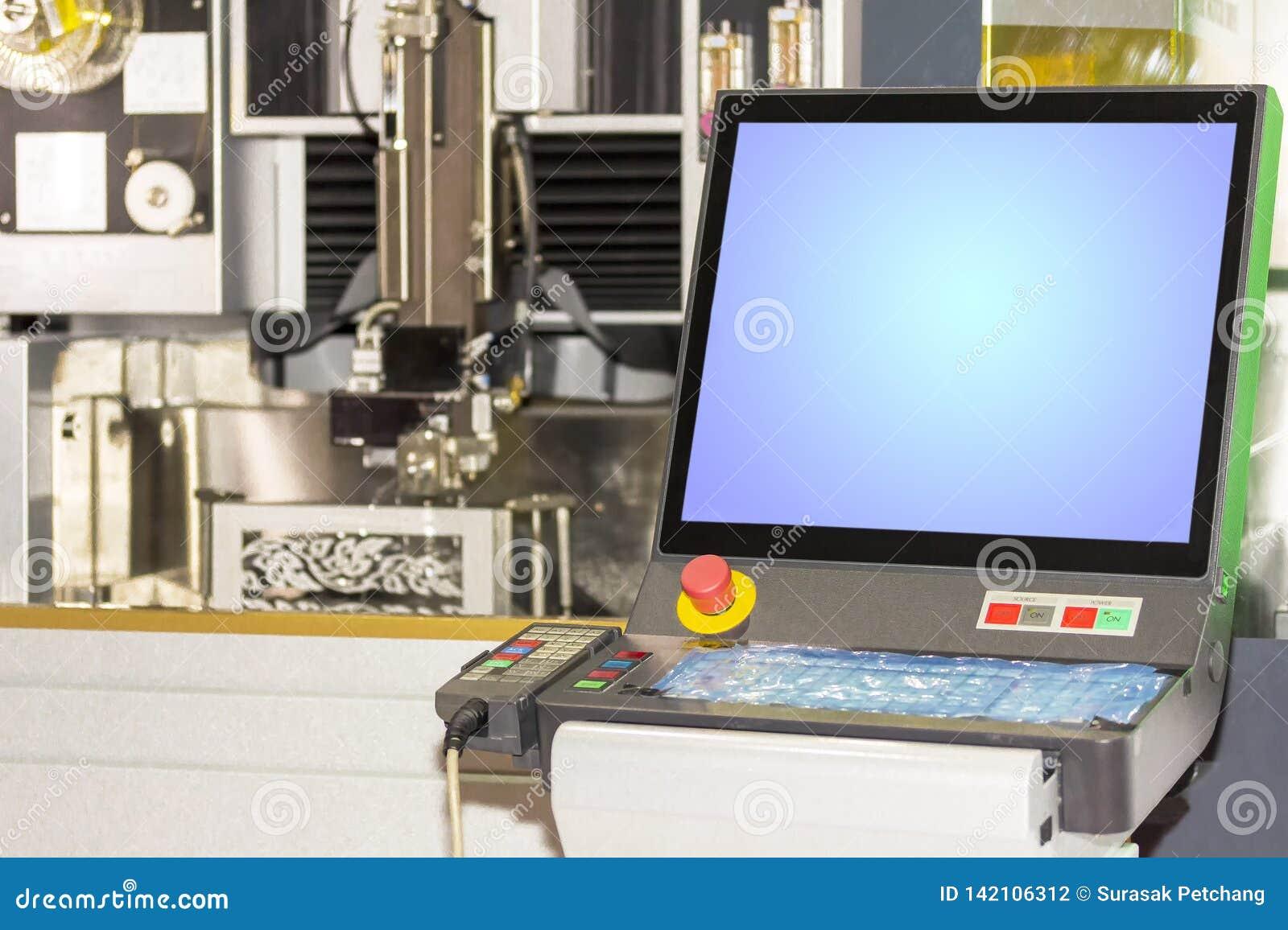 Fine sul monitor e sul pannello di controllo del taglio della muffa di precisione e di tecnologia avanzata dalla macchina del tag