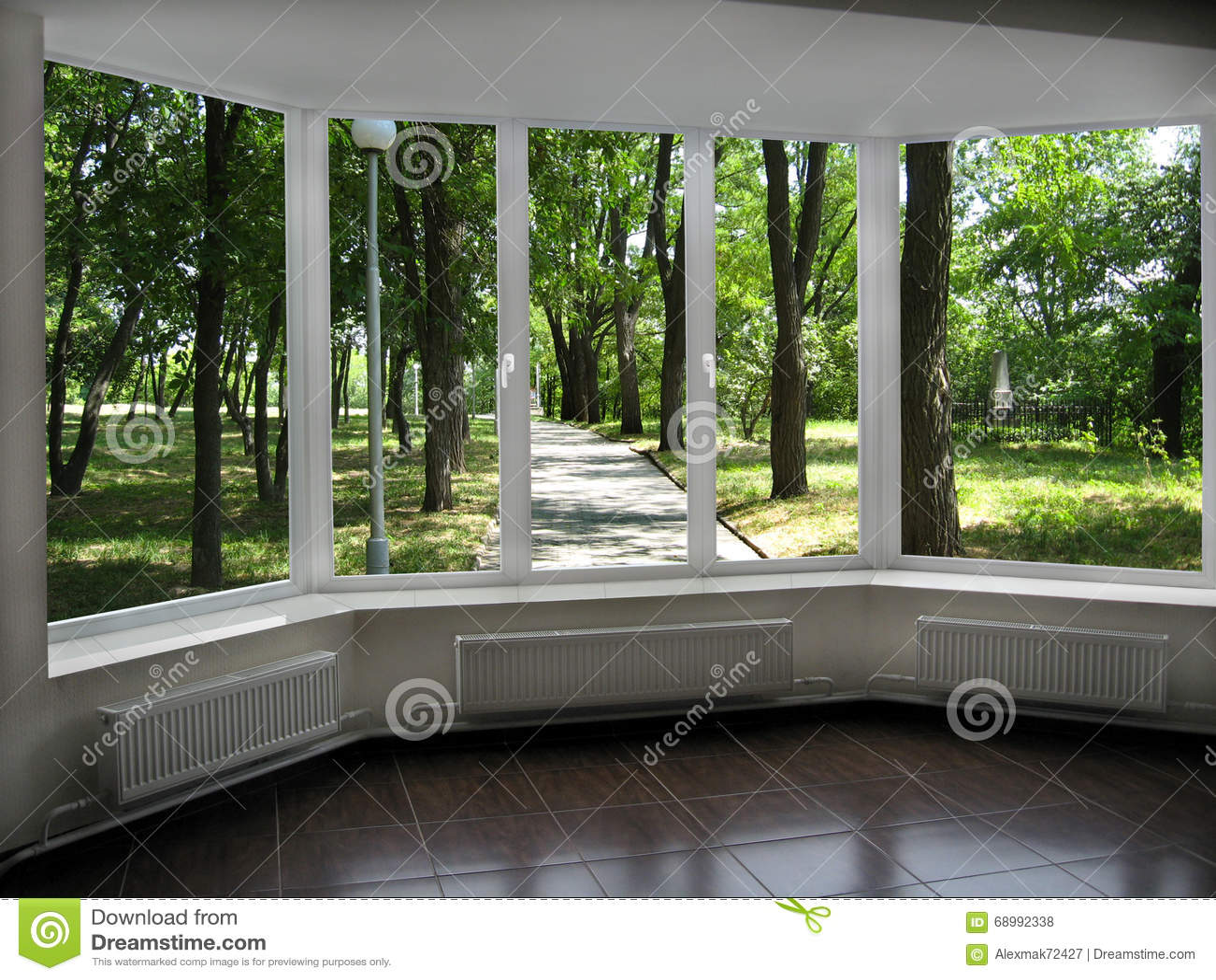 Finestra con la vista del parco della citt di estate for Piano del telaio della finestra