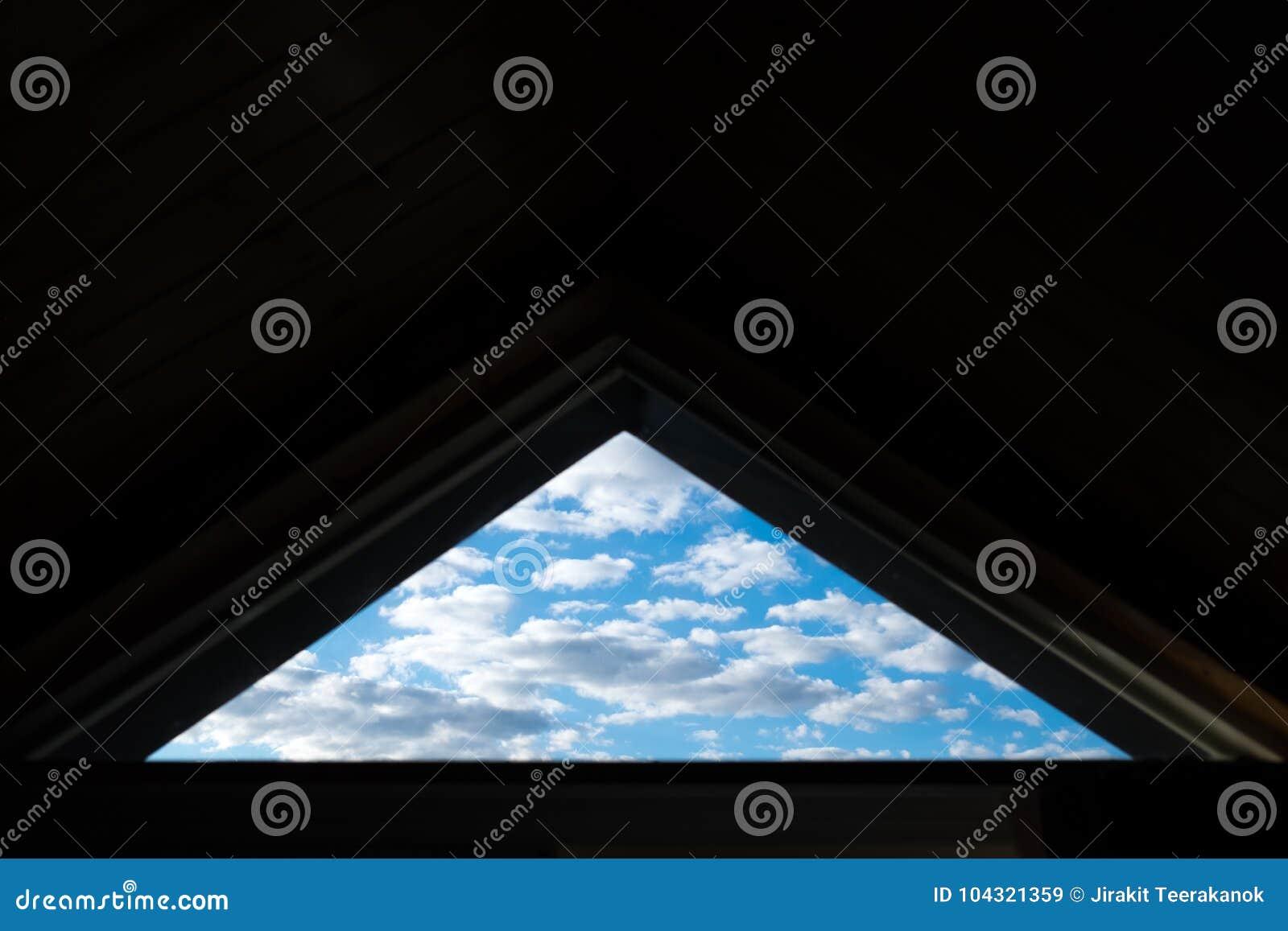 Finestra del triangolo del cielo