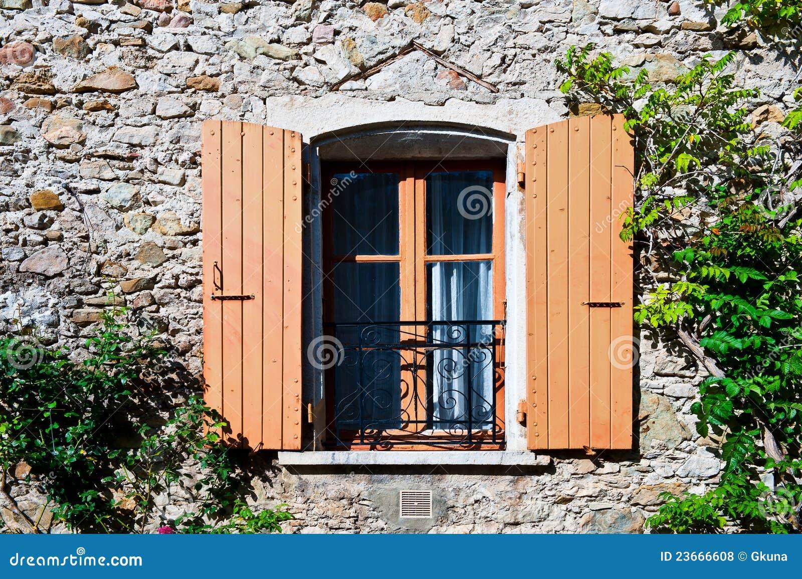 Finestra francese fotografie stock libere da diritti immagine 23666608 - La finestra biz ...