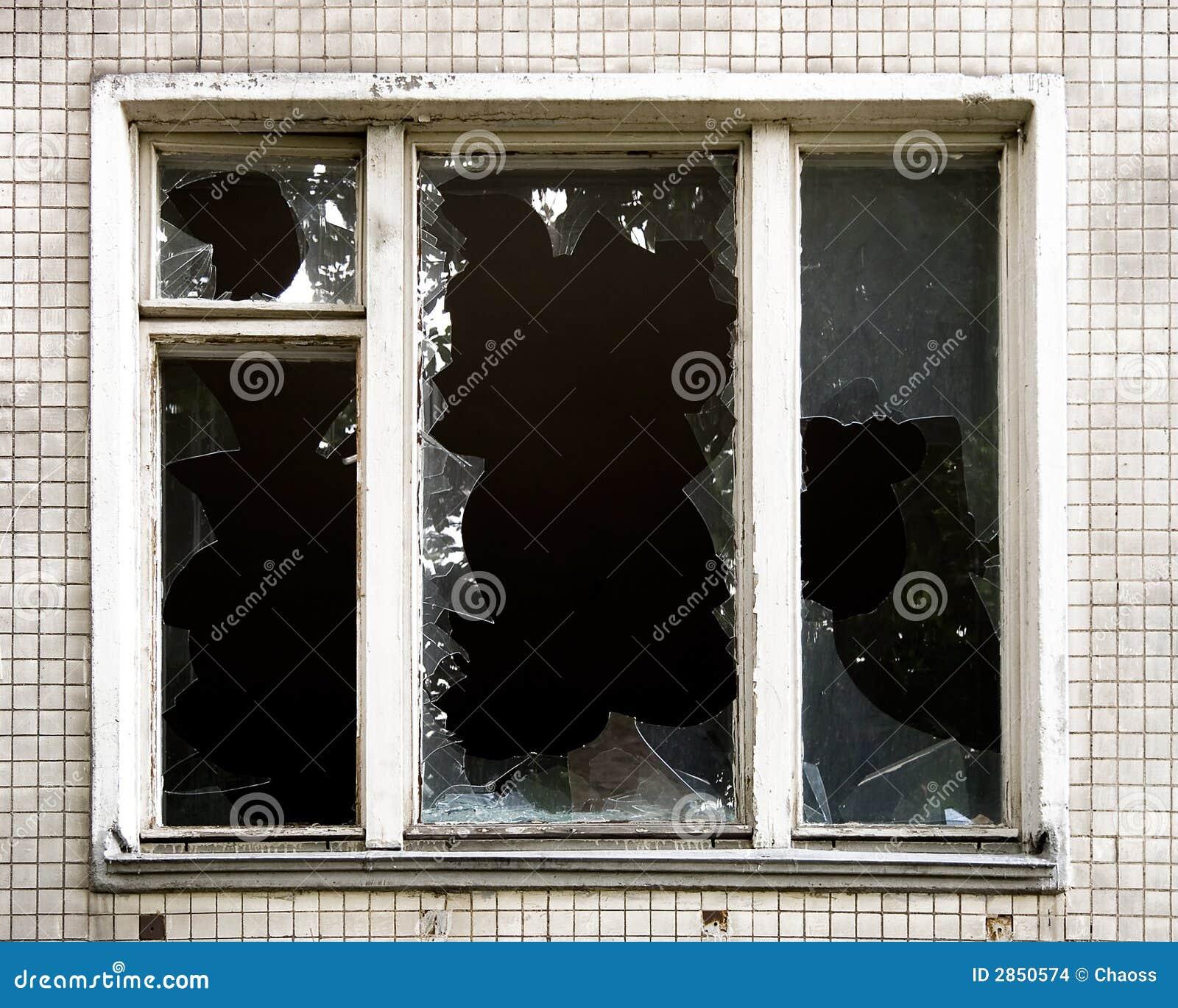 Finestra rotta fotografia stock immagine di danneggiato 2850574 - La finestra rotta ...
