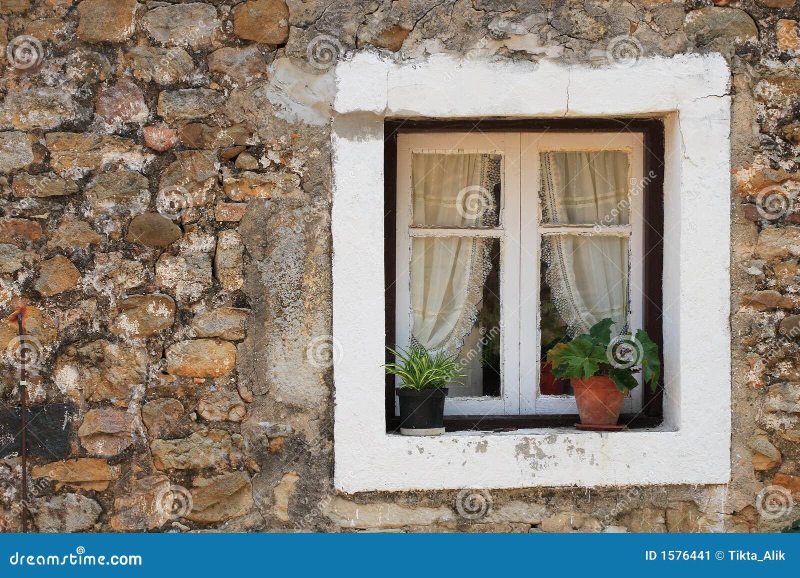 finestra rustica immagine stock immagine di parete