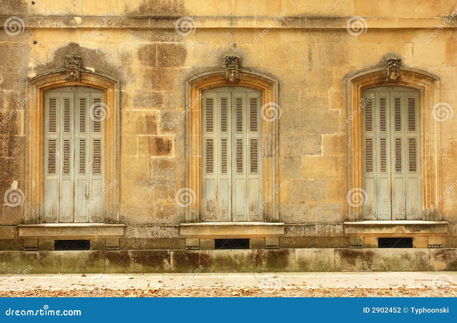 Finestre antiche fotografia stock immagine 2902452 - Stock finestre pvc ...