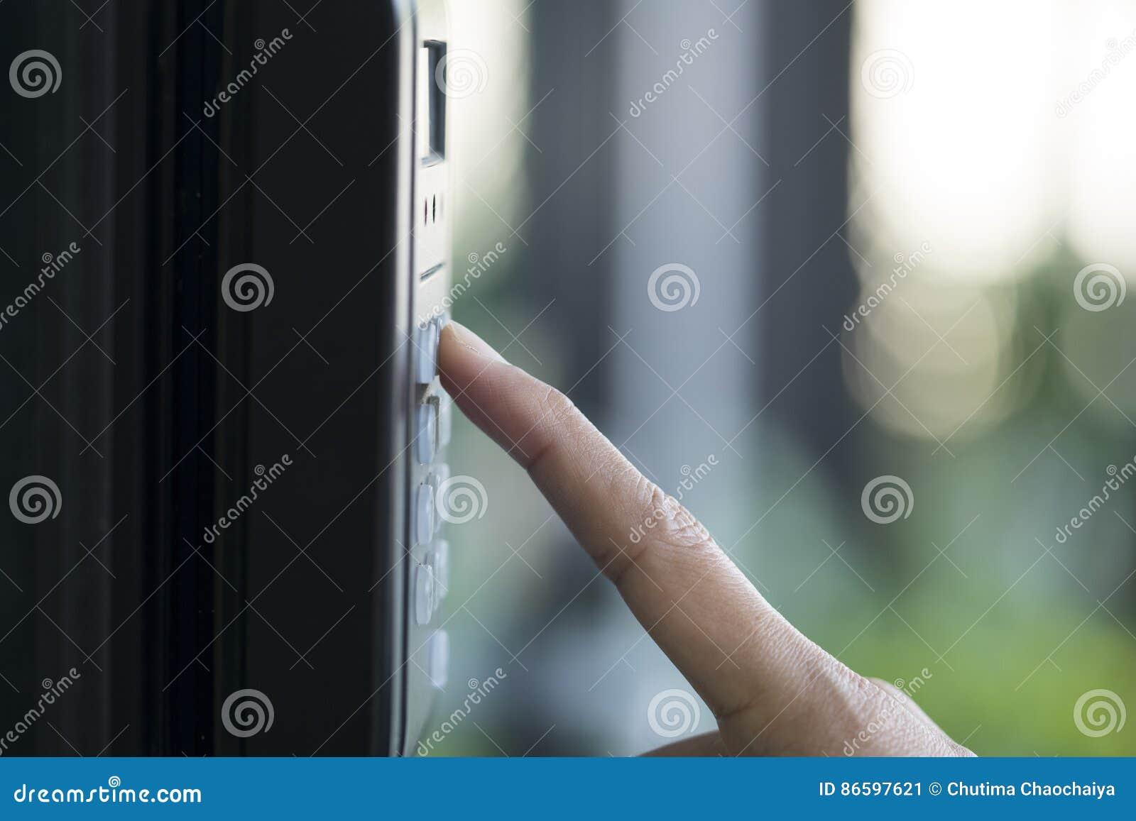 Fingerabdruck und Zugriffskontrolle