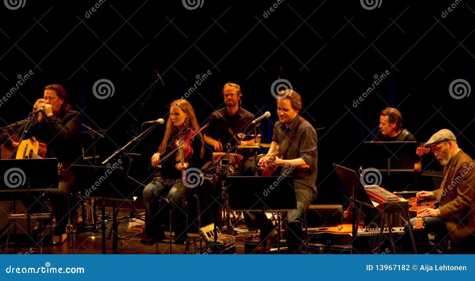 Finnish roots music band Hoedown and Kaartamo, Ket