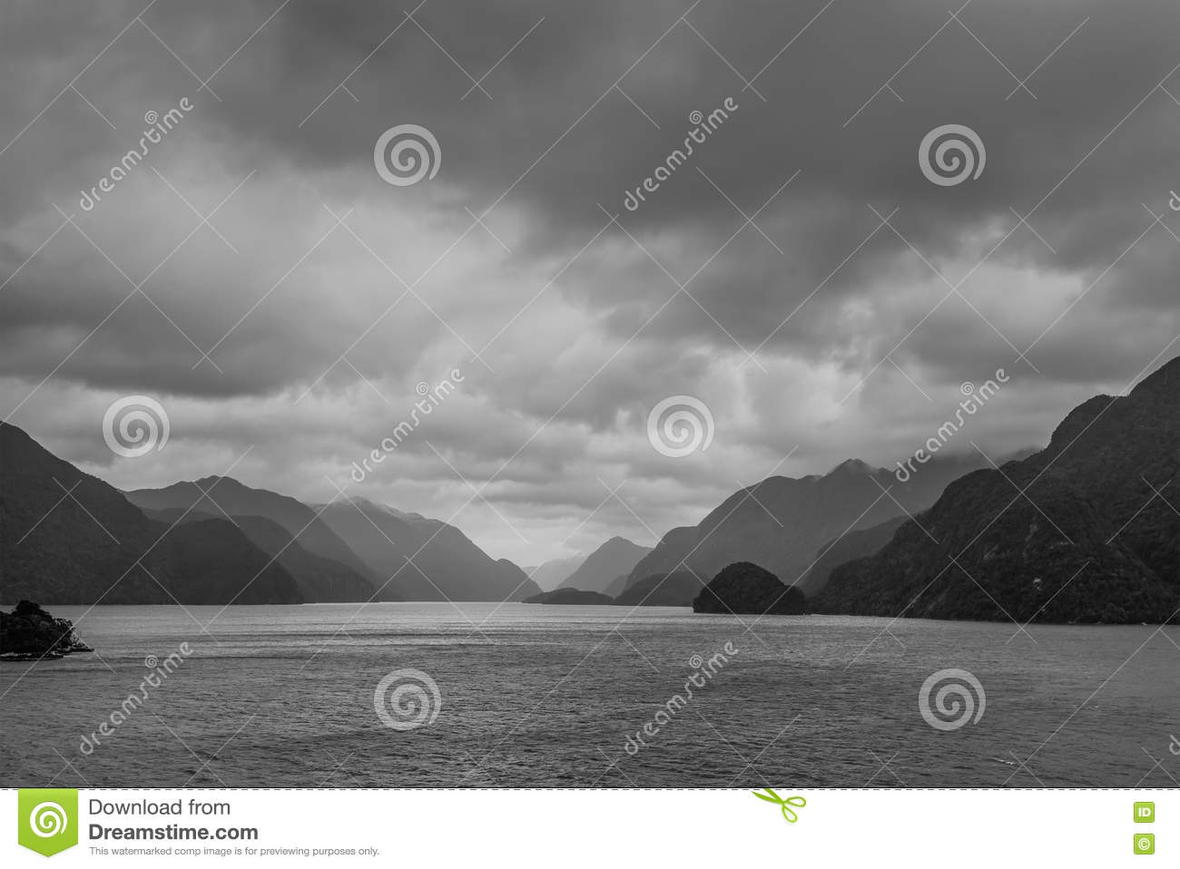 Fiordland National Park Scenic In South Island Of New